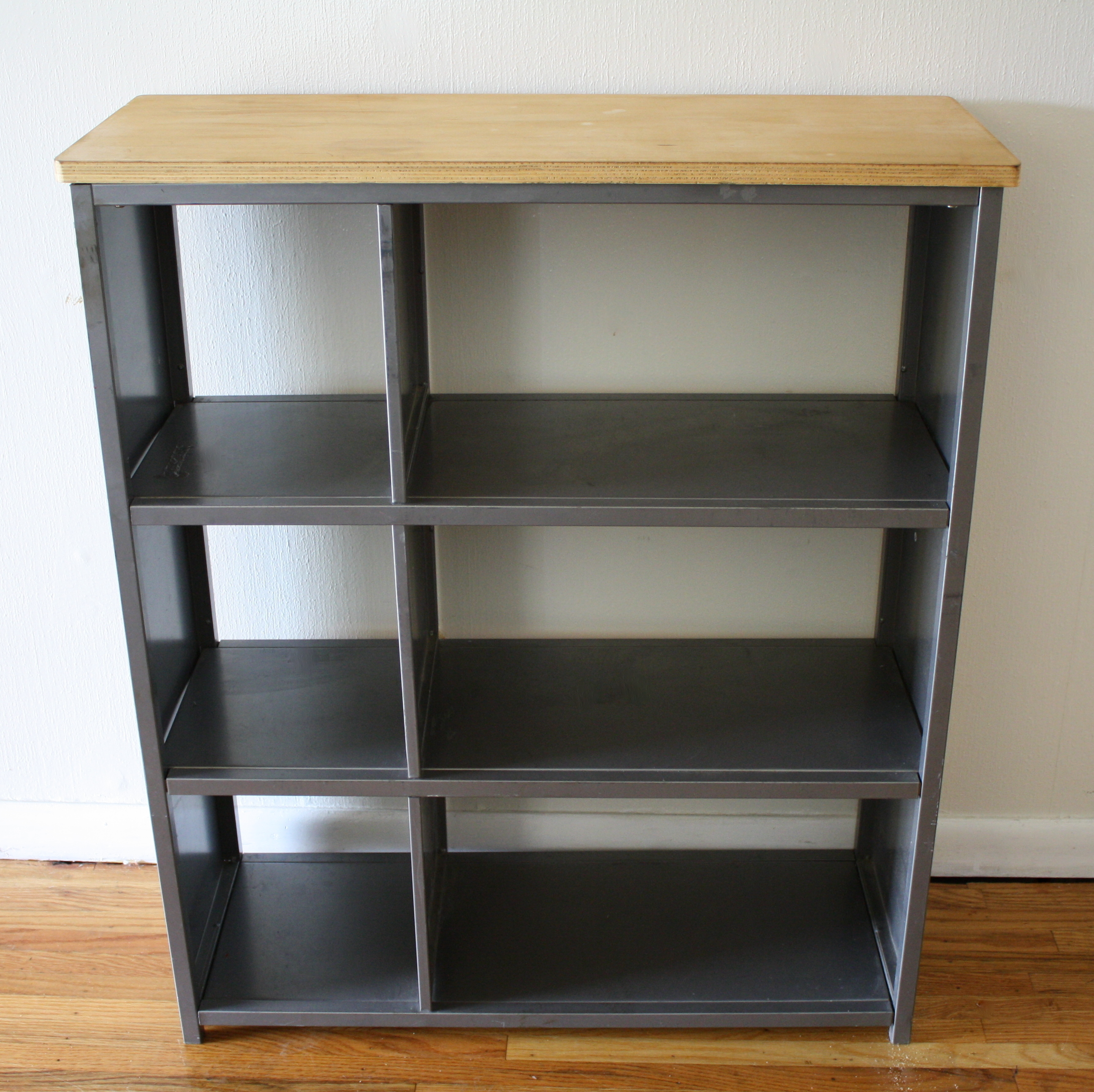 industrial metal bookcase shelf with wood top picked vintage. Black Bedroom Furniture Sets. Home Design Ideas
