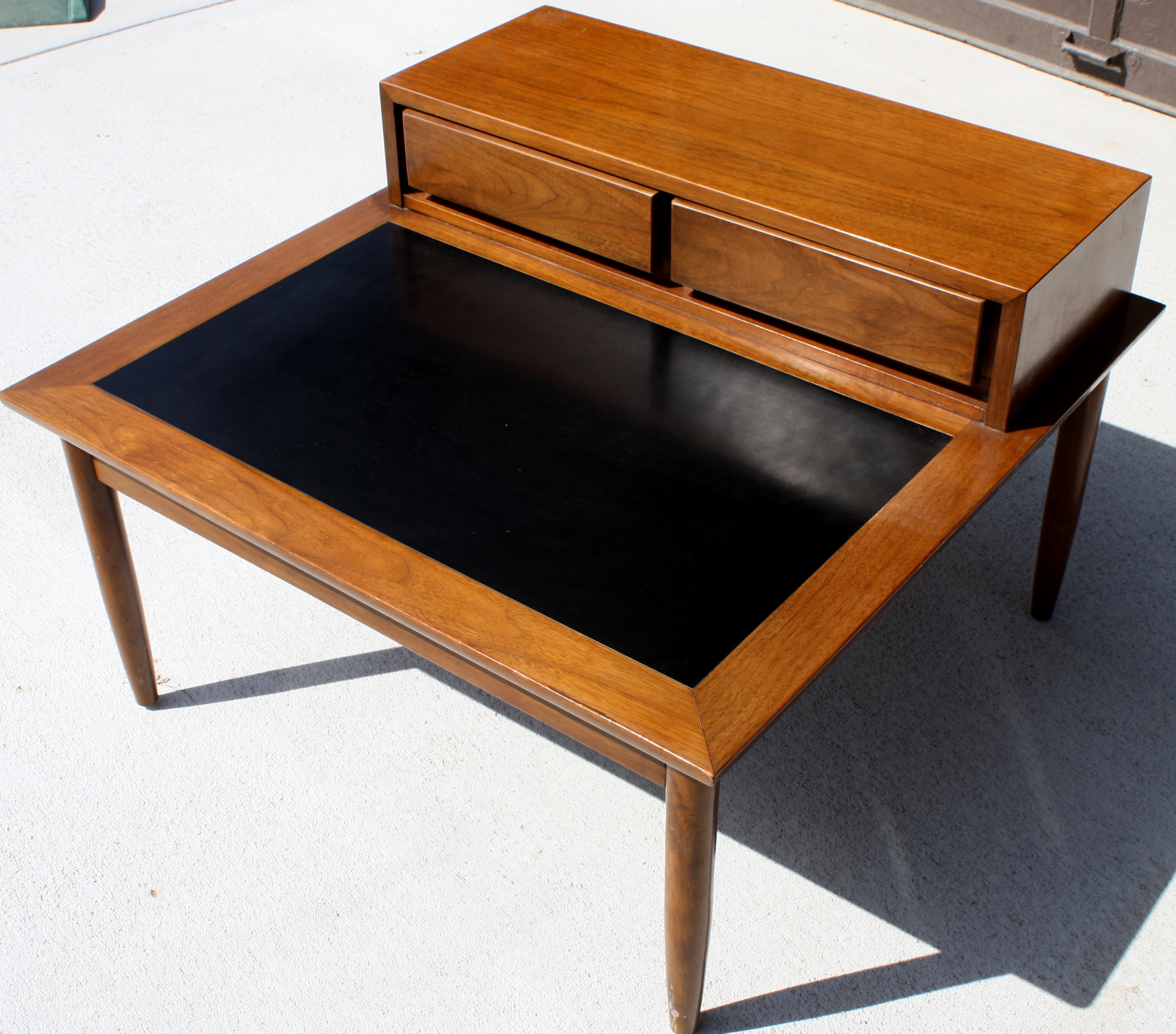 Mid Century Modern Square Coffee Table With Upraised Drawers Picked Vintage