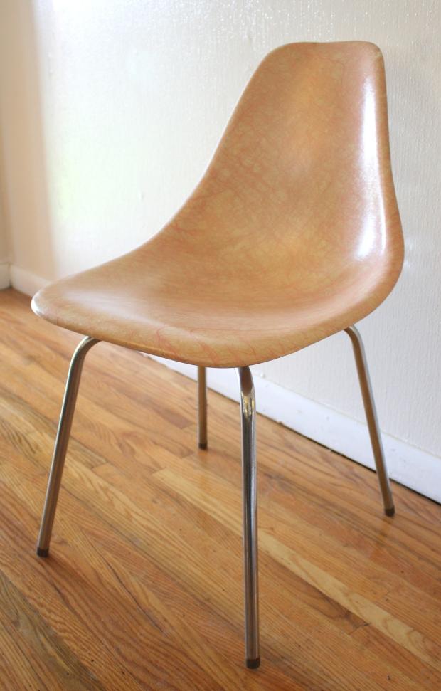Mid Century Modern Eames Miller Style Fiberglass Chair