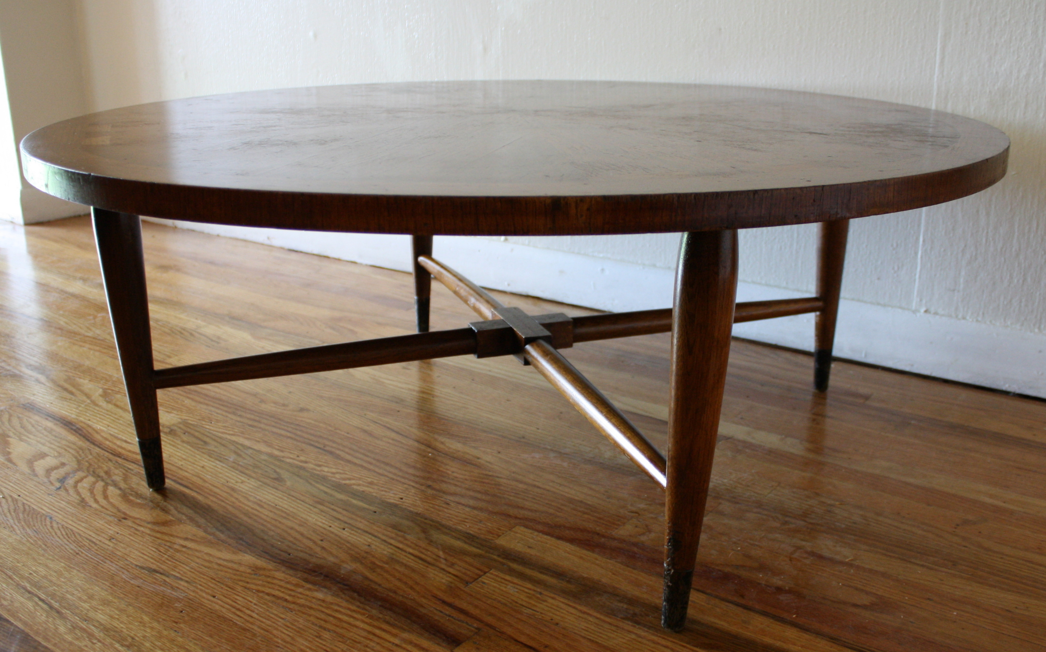Lane Acclaim Sunburst Round Coffee Table Picked Vintage