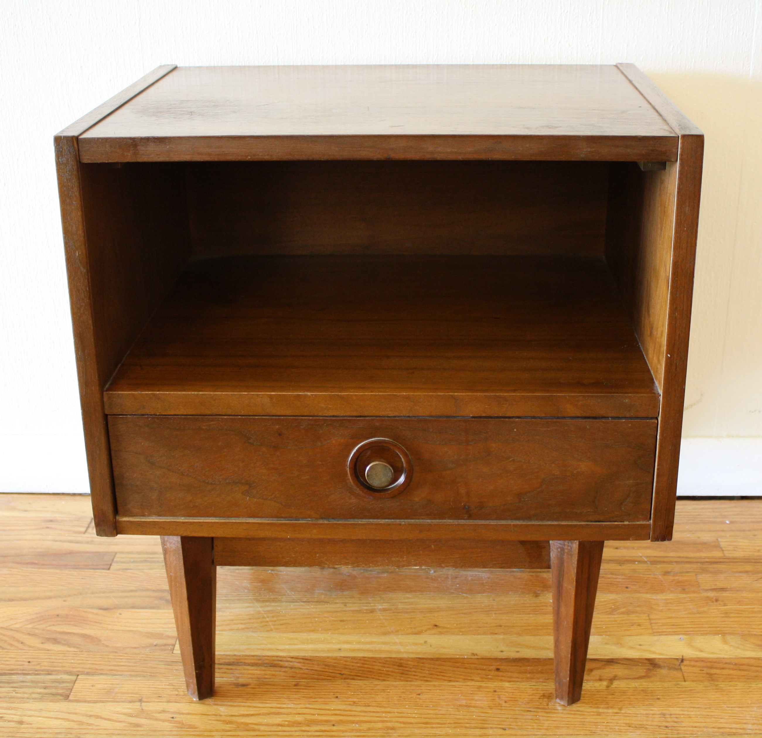 Mid Century Modern Inclined Side End Table With Drawer