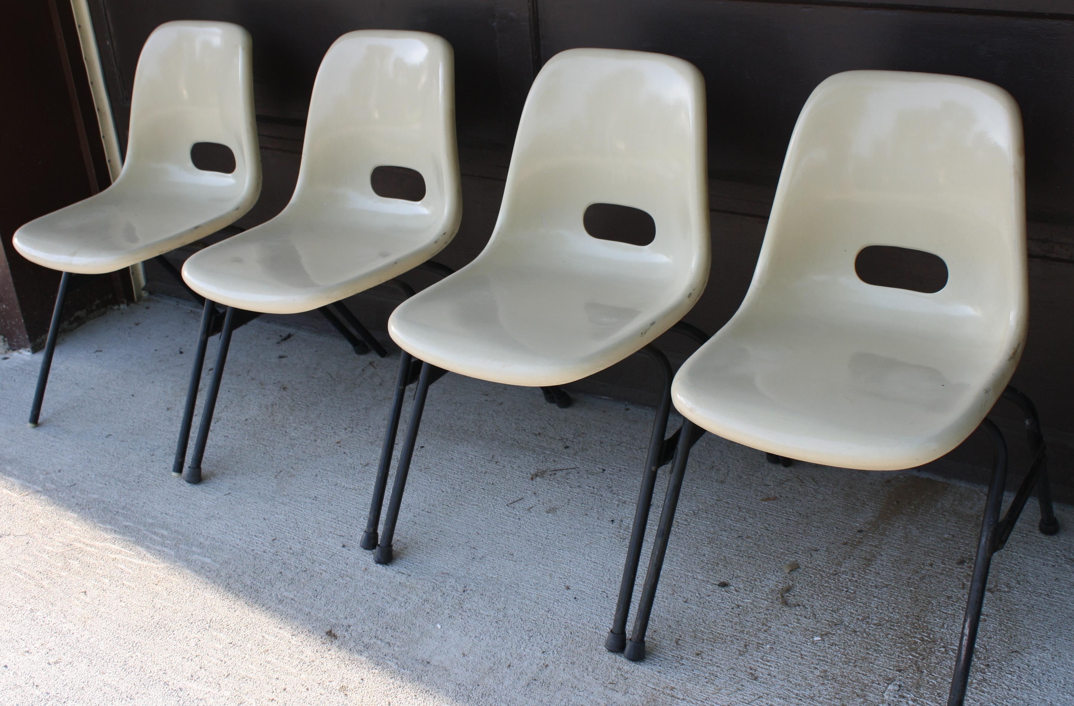 Superb Mid Century Modern Fiberglass Chairs   Krueger