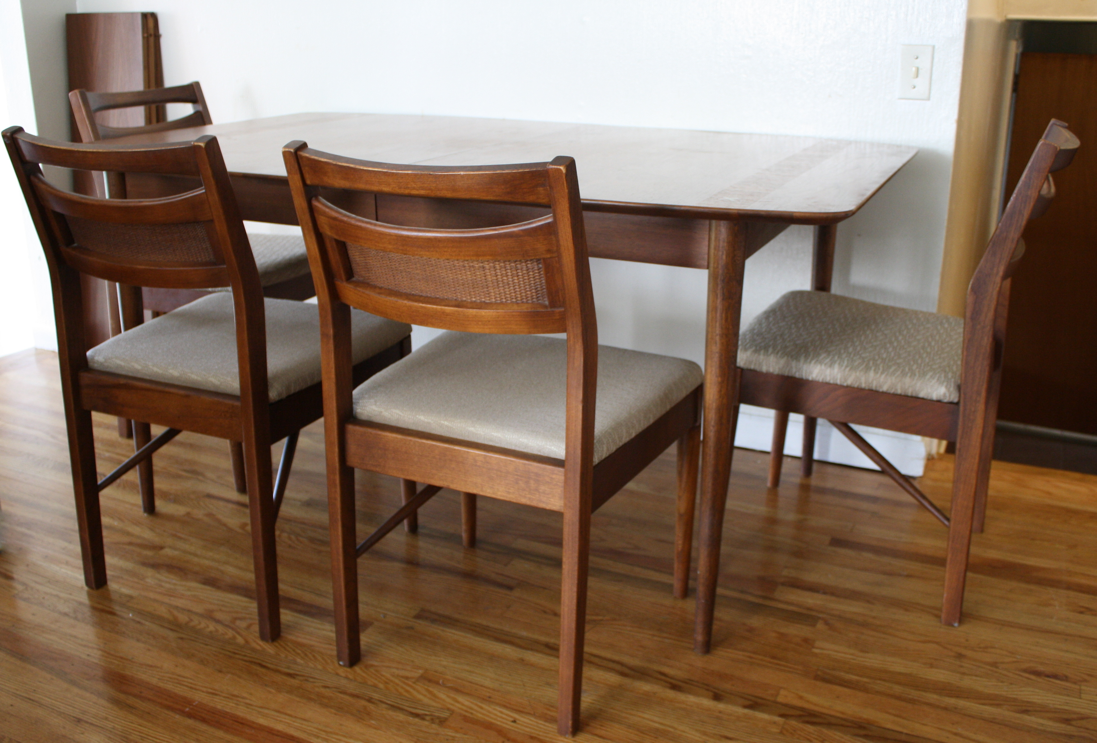 American by Martinsville Dining Table 4