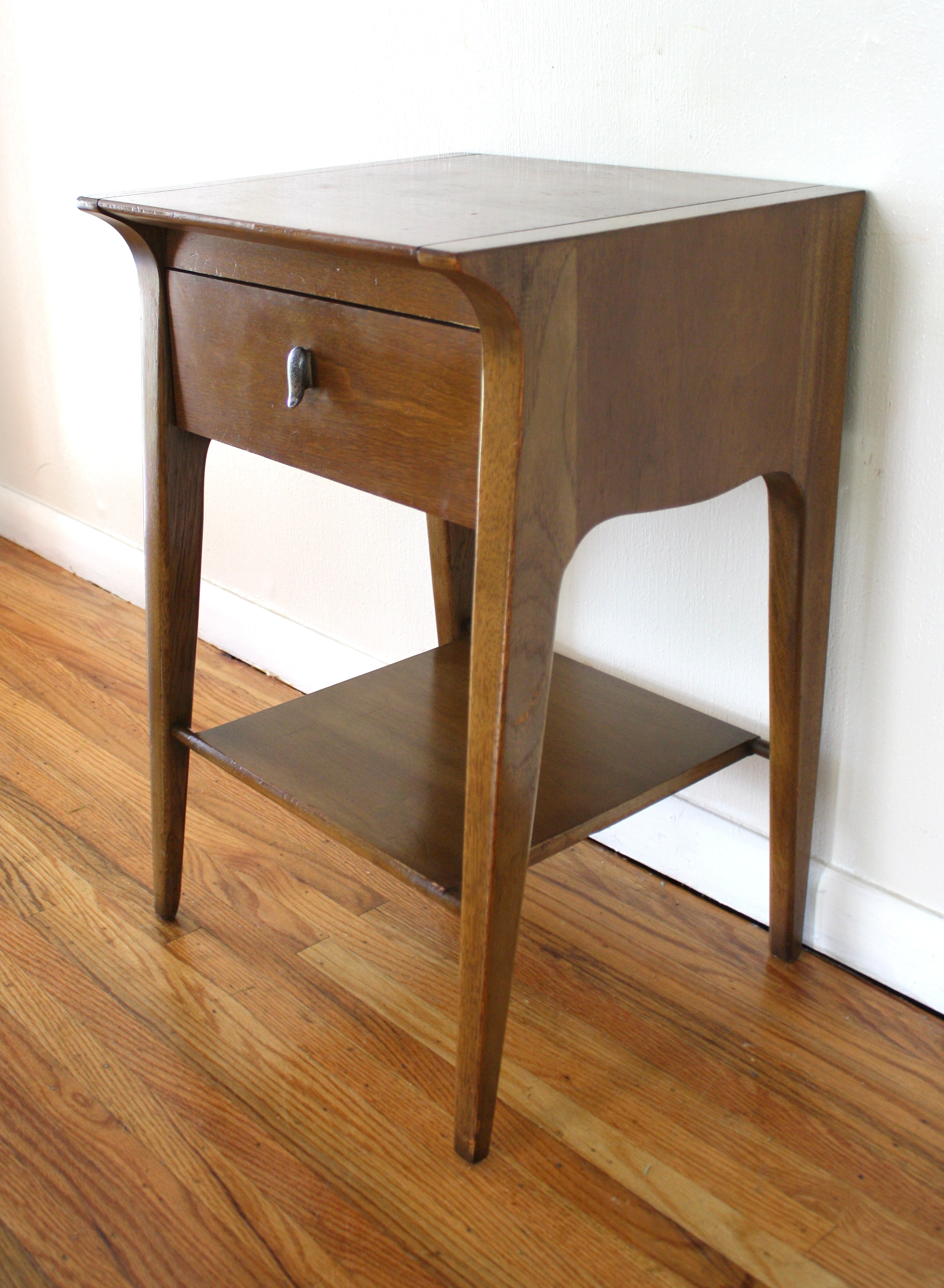Mid Century Modern Angled Side End Table By Drexel