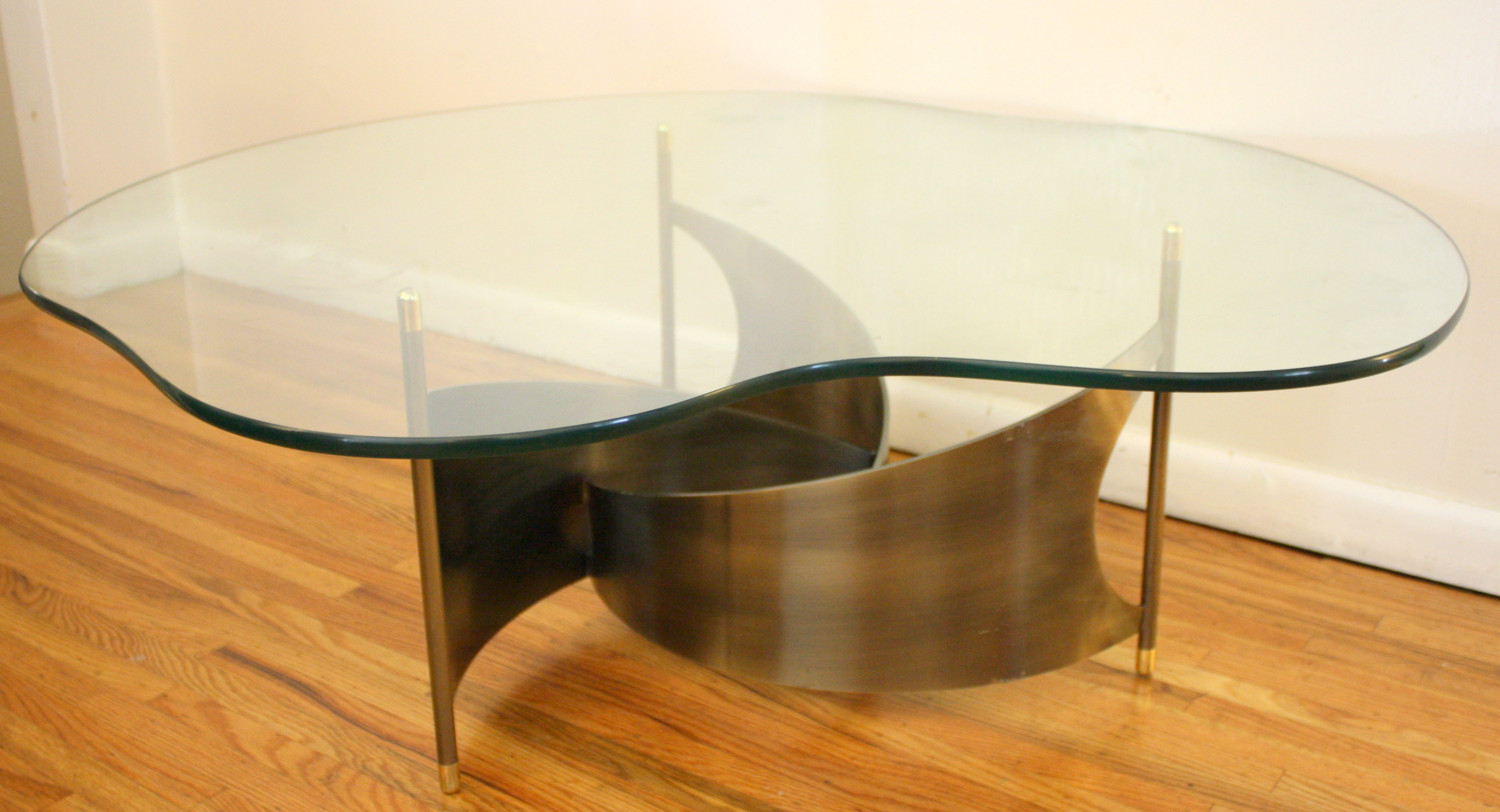Mcm Free Form Glass Coffee Table With Propeller Base