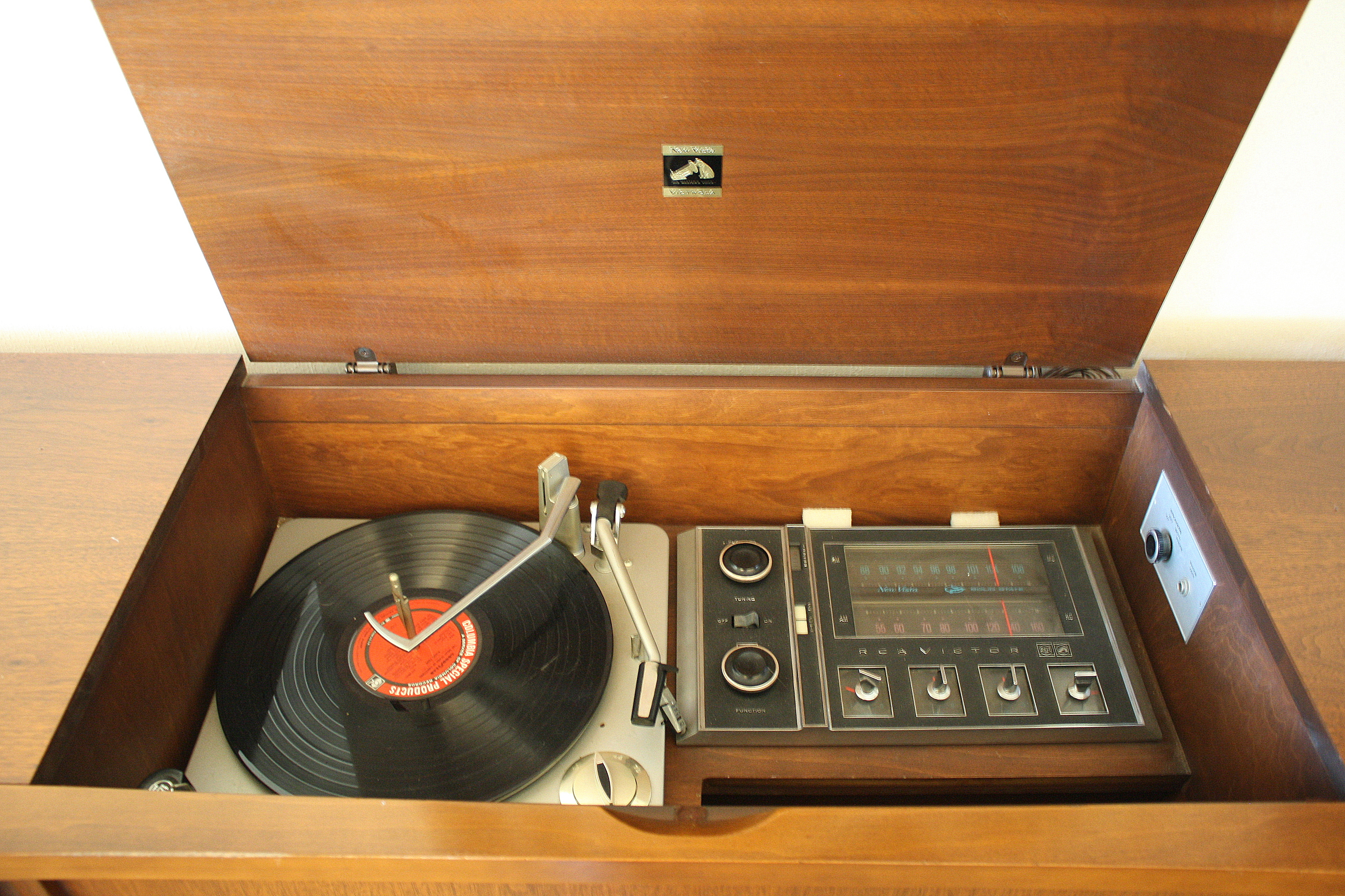 Mid Century Modern Slatted Stereo Record Player U2013 RCA Victrola | Picked  Vintage