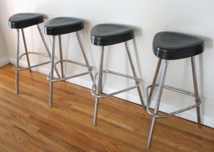 retro triangle stool 1