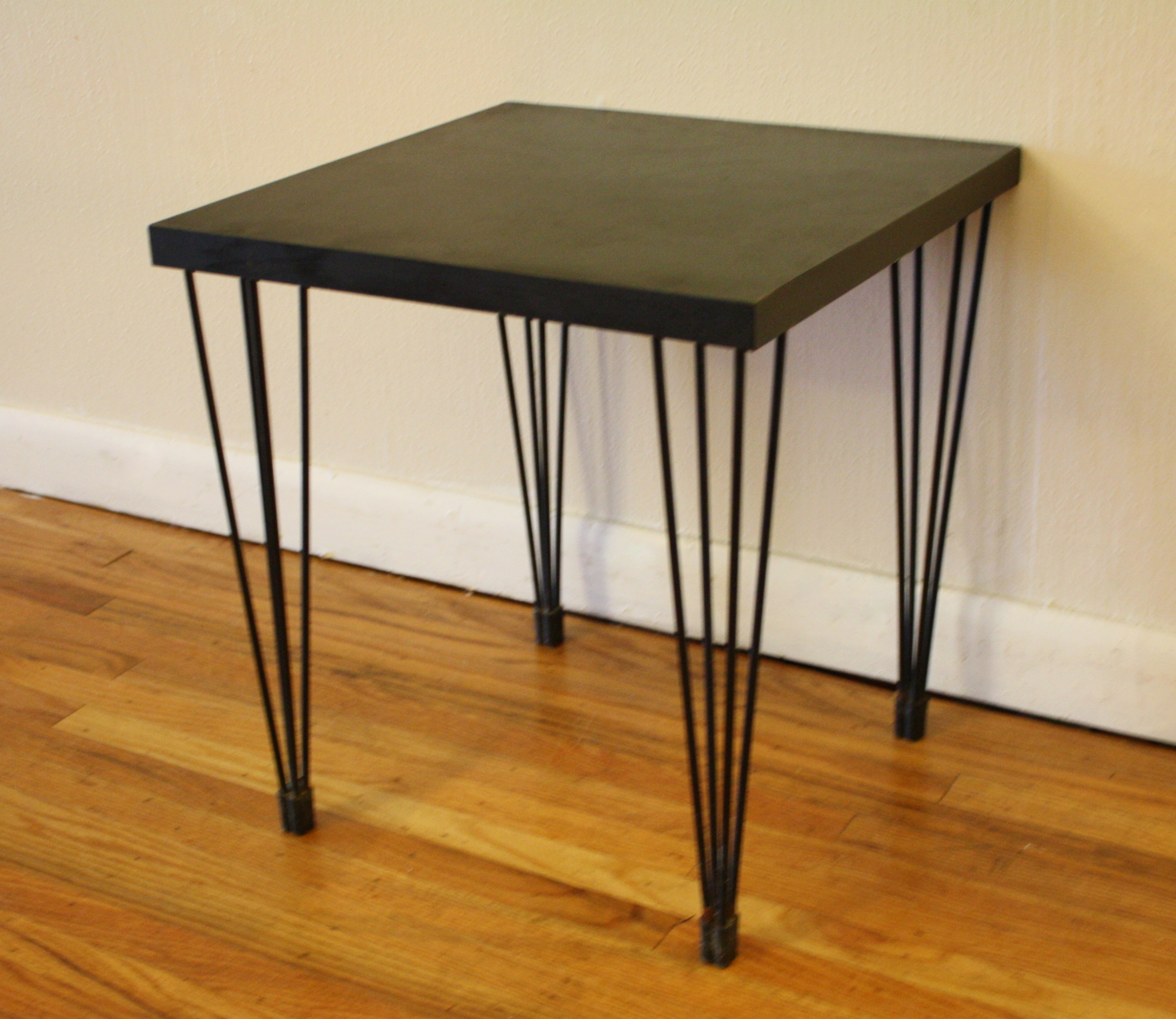 Mid century modern hairpin side tables picked vintage for Vintage hairpin table legs