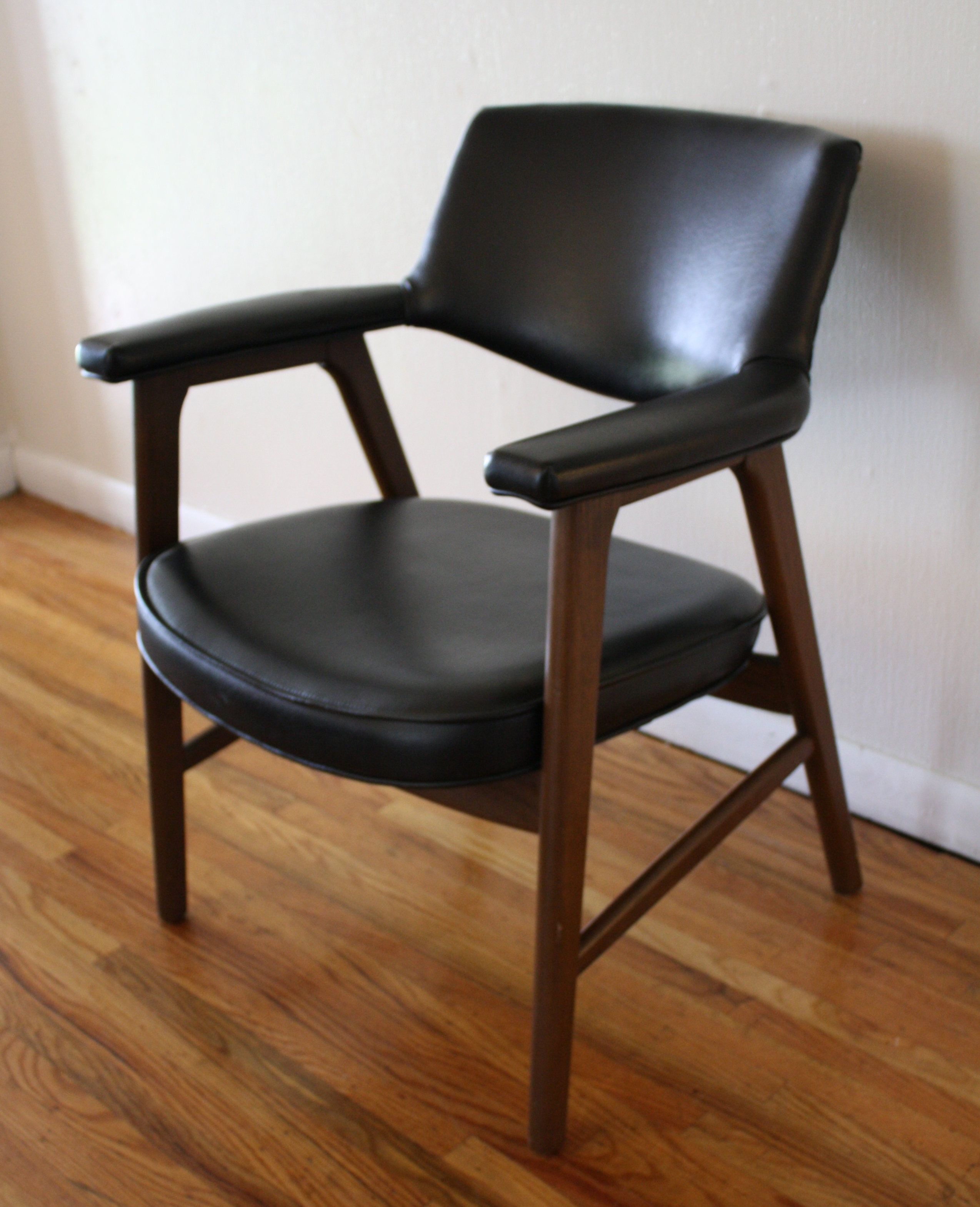 Mcm Black Leather Arm Chair 2