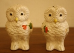 vintage white and color owl shakers 1