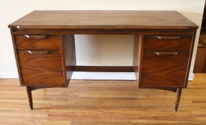 mcm executive desk 1