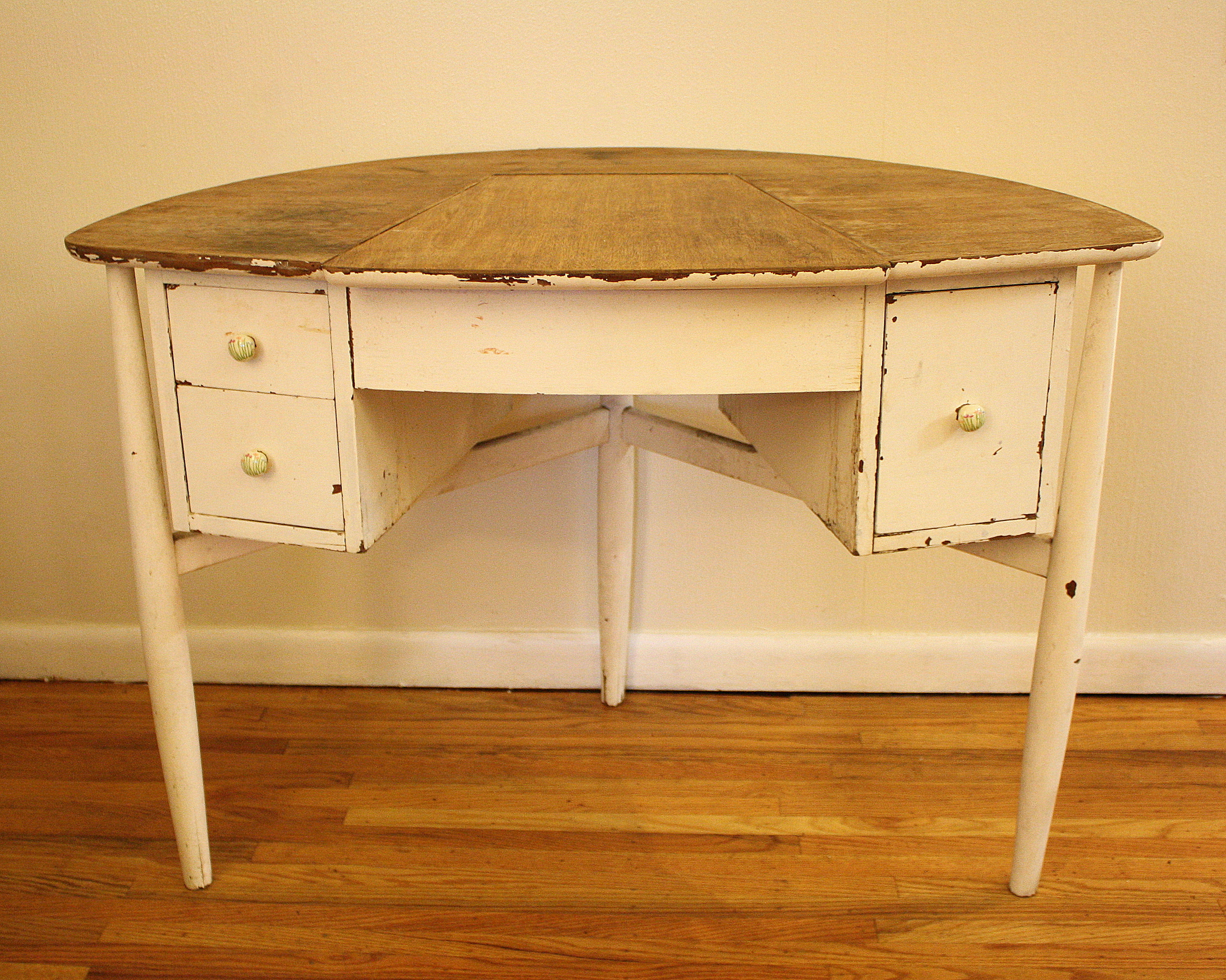 Antique shabby chic vanity table picked vintage pv50121 geotapseo Images