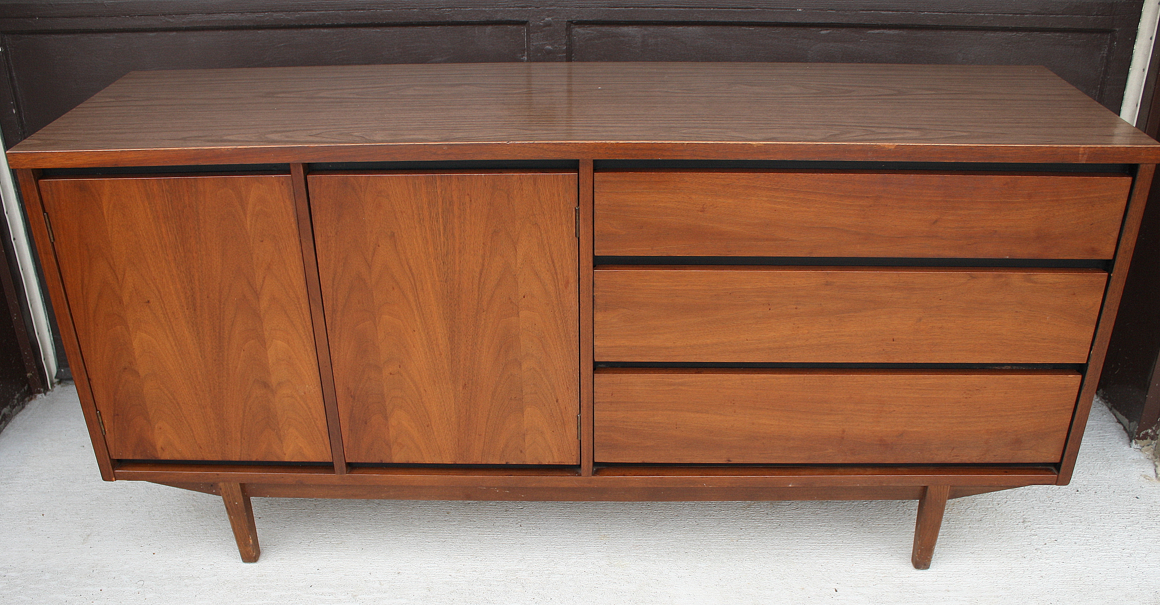 mid century modern credenza picked vintage. Black Bedroom Furniture Sets. Home Design Ideas