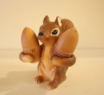 Vintage squirrel salt & pepper shakers