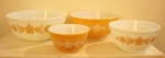Pyrex mxing bowl set set of 4