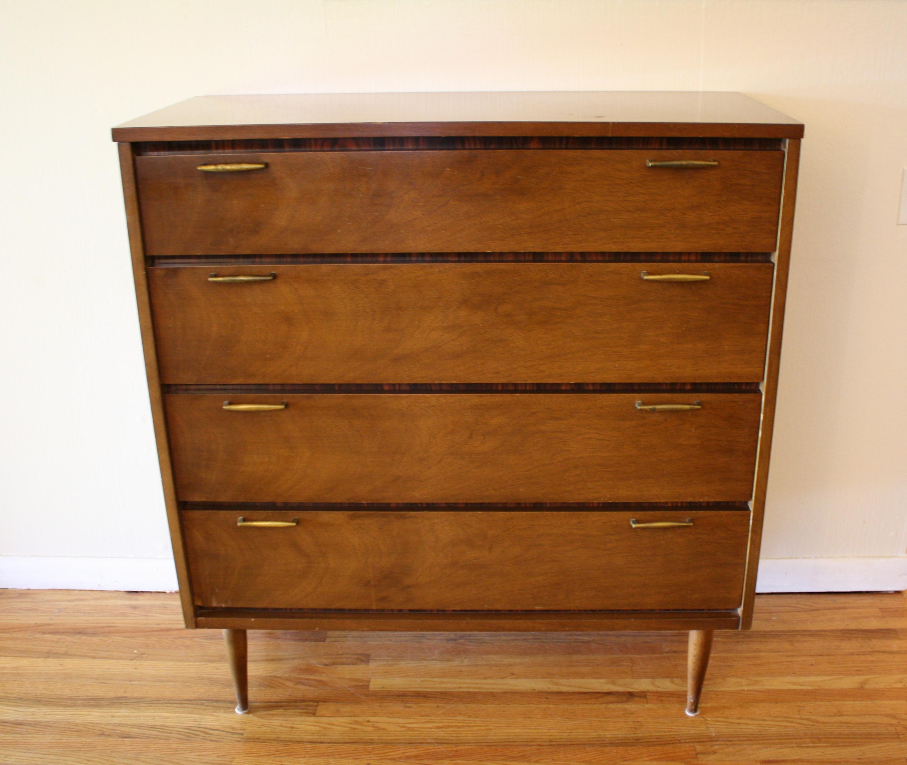 Mid Century Modern Bassett Dresser Amp Credenza Picked Vintage