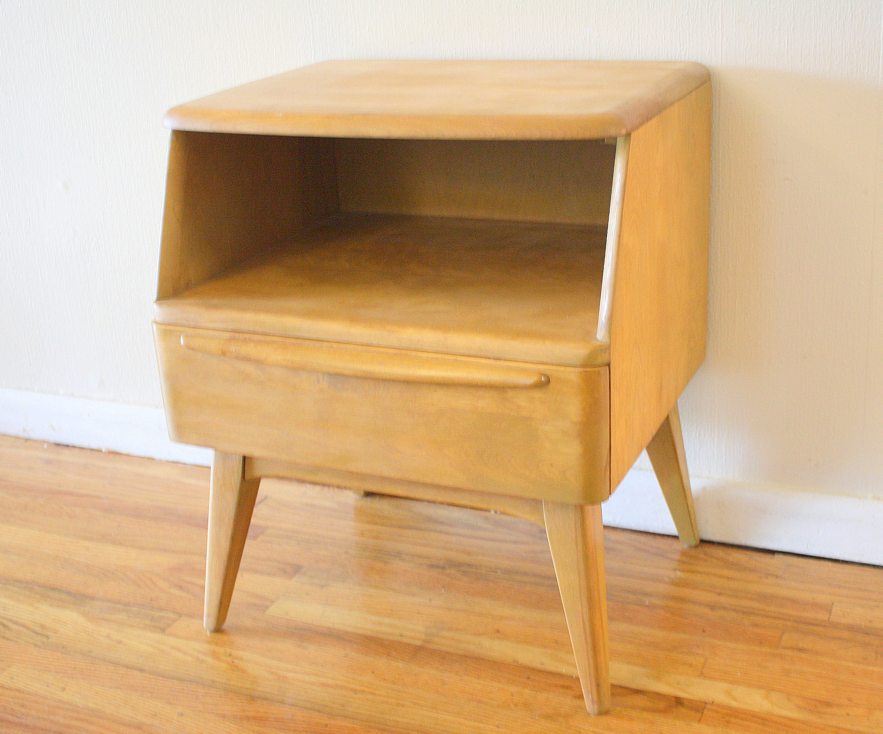 heywood wakefield vintage furniture Heywood Wakefield Side End Table Nightstands | Picked Vintage heywood wakefield vintage furniture
