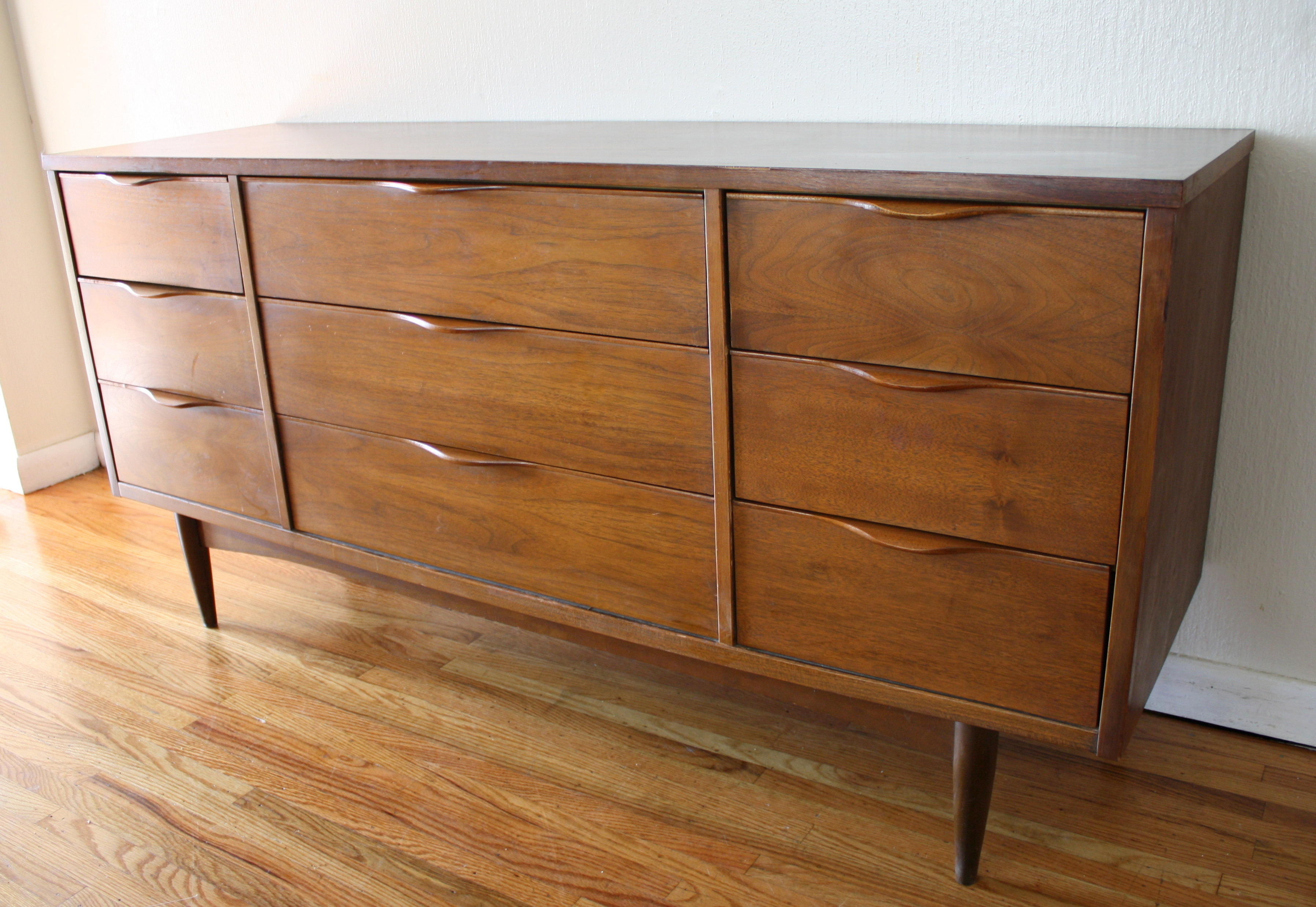 Mid Century Modern Credenza Low Dressers  Picked Vintage. Swix Waxing Table. Dish Tv Help Desk. Lowes Work Table. Changing Tables For Sale. End Table Drawers. Girls Desk Set. Cheap Foldable Table. Wooden Desk Organizers