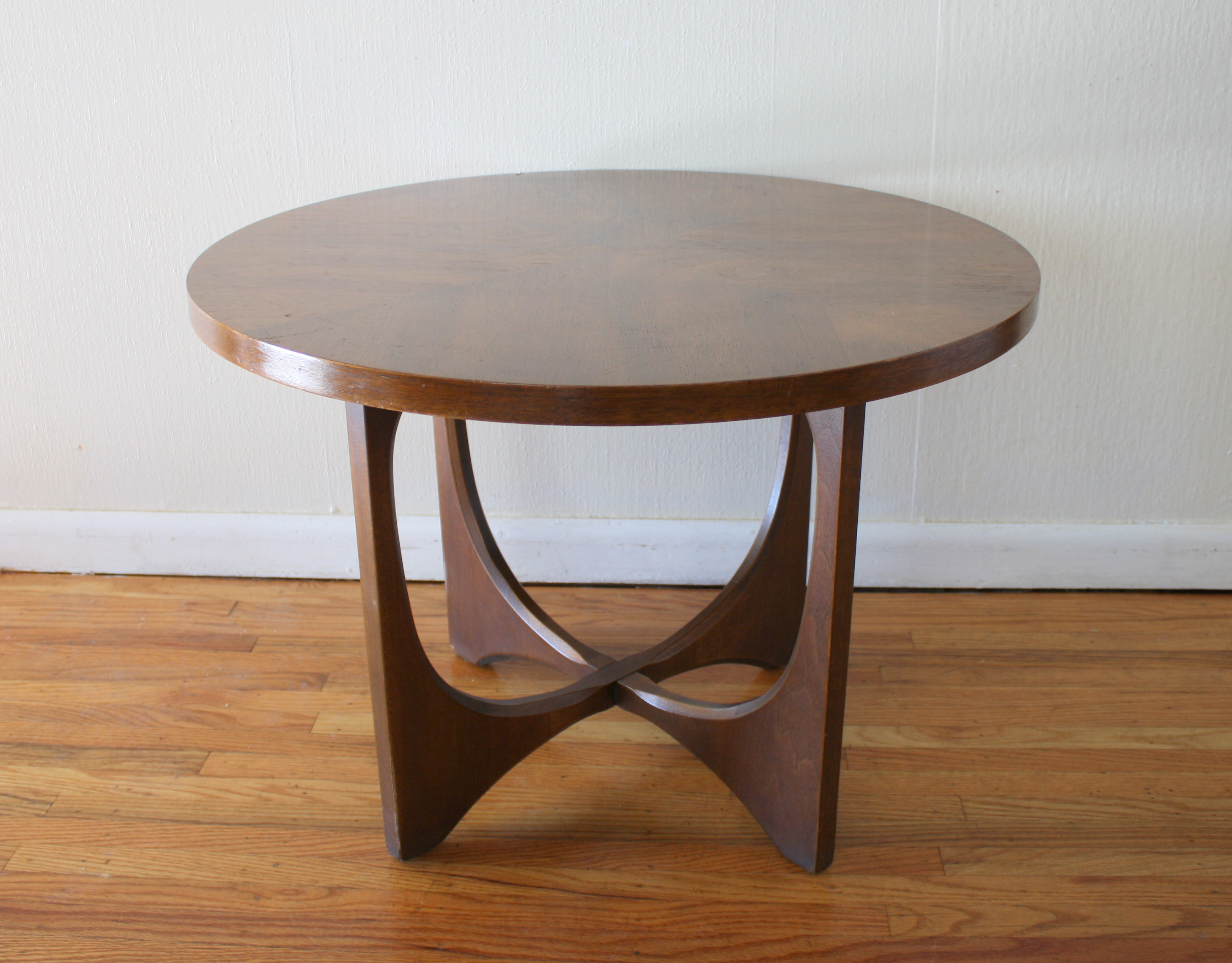 Mid century modern broyhill brasilia side end table for Retro end tables