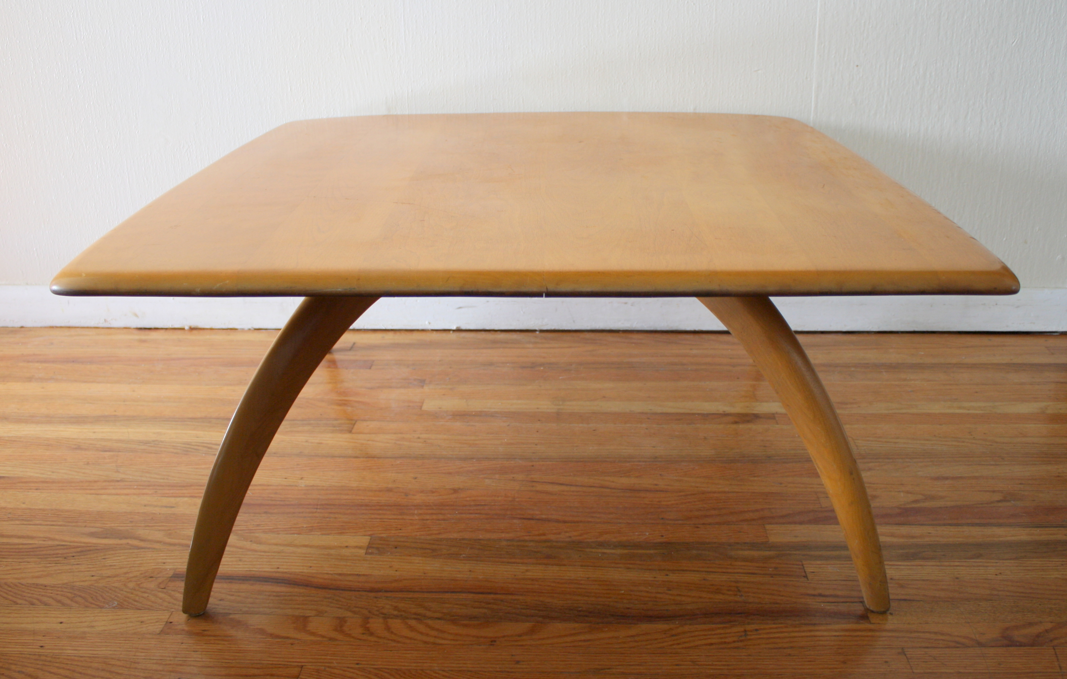 Mid century modern coffee table by heywood wakefield for Mid century modern coffee table