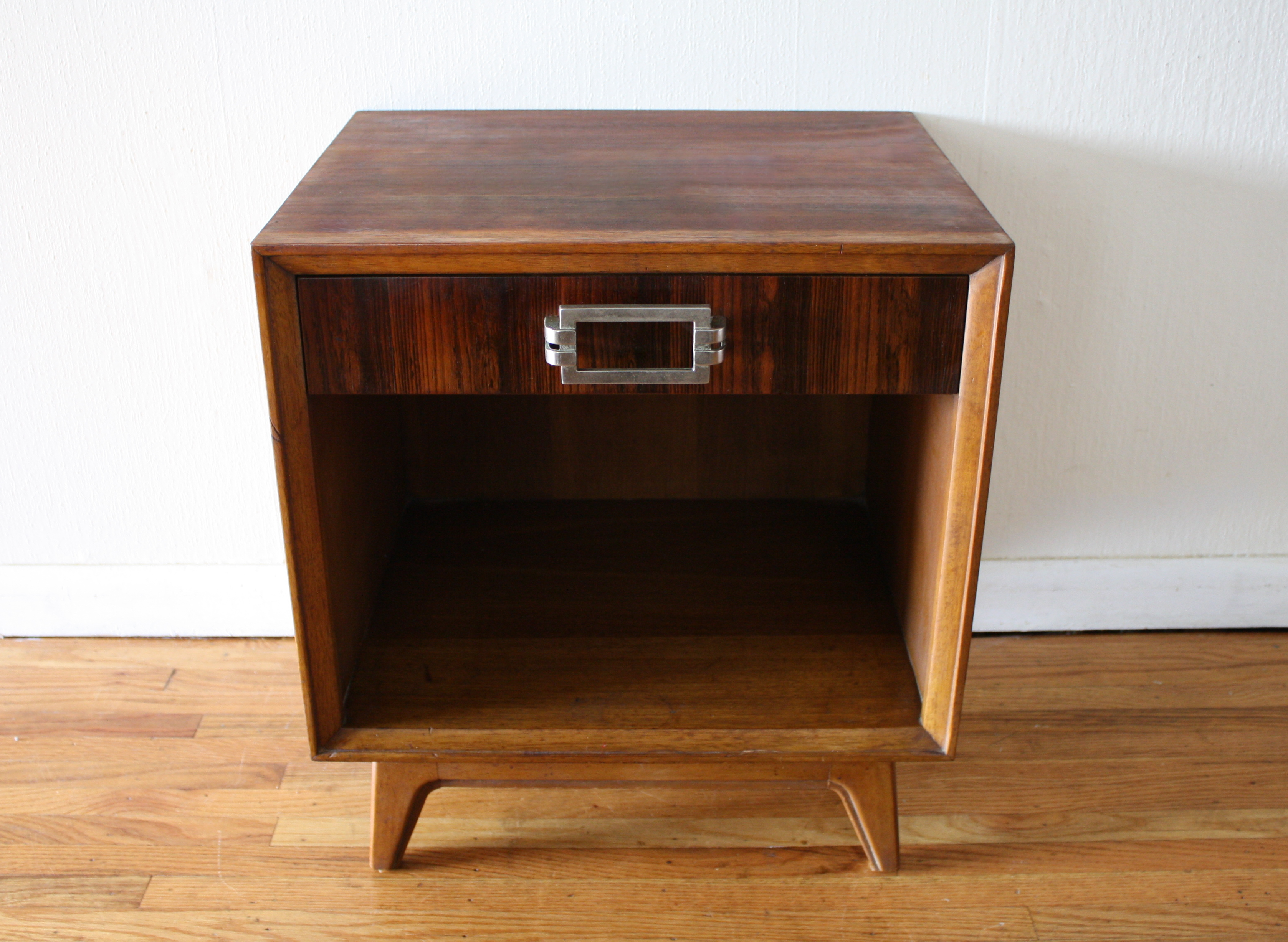 Mid Century Modern Rosewood Side End Table By Drexel