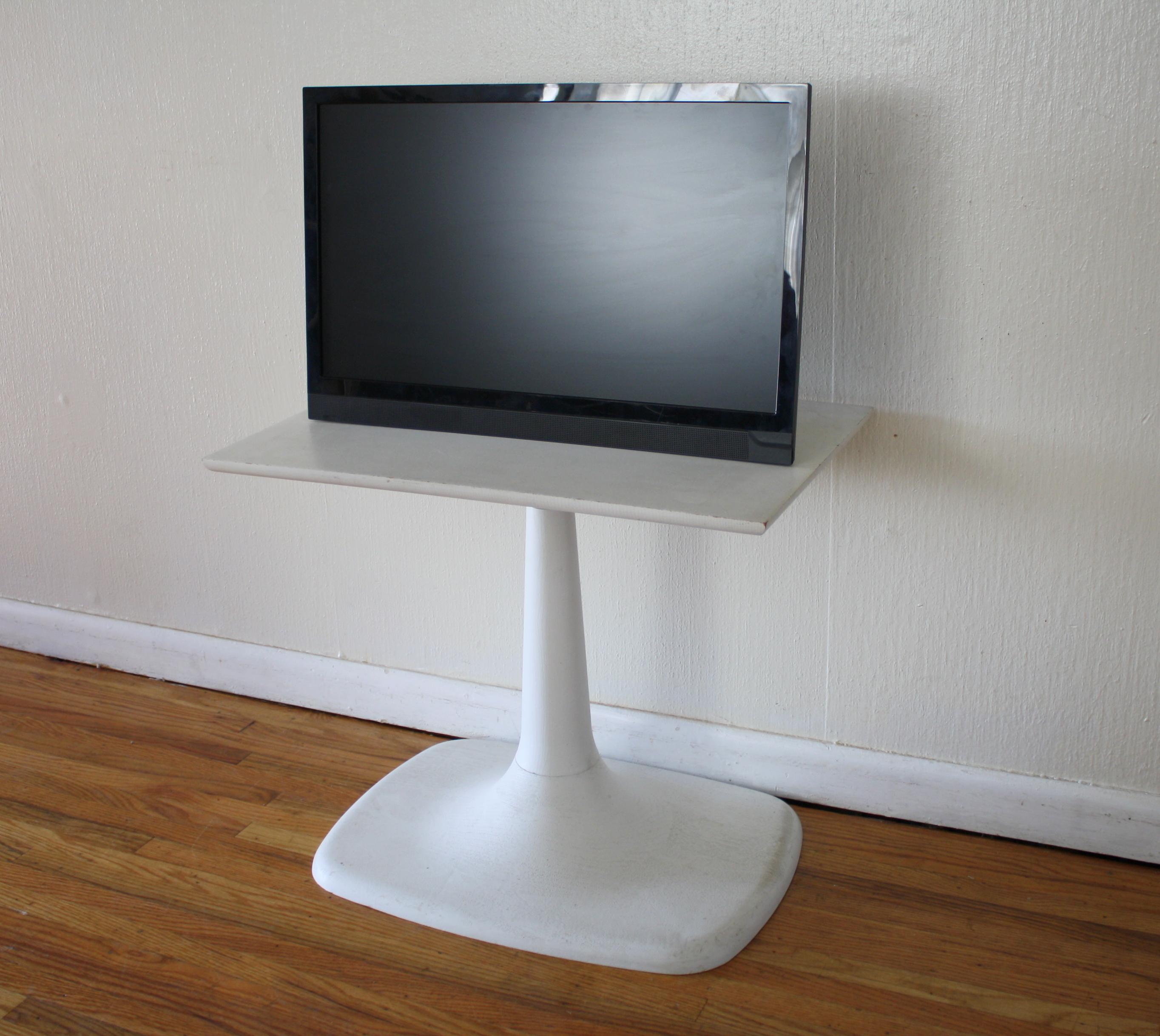 mcm tulip pedestal tv stand 2 Picked Vintage : mcm tulip pedestal tv stand 2 from pickedvintage.com size 2728 x 2437 jpeg 2200kB