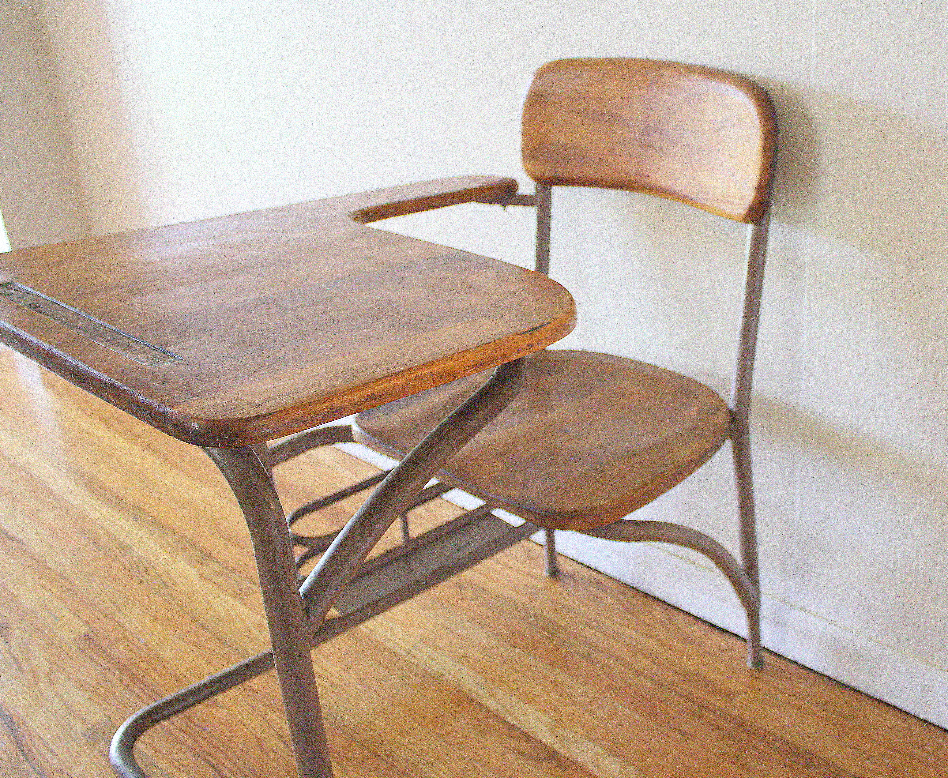 Heywood Wakefield Desk And Chair Circa 1940s Picked Vintage
