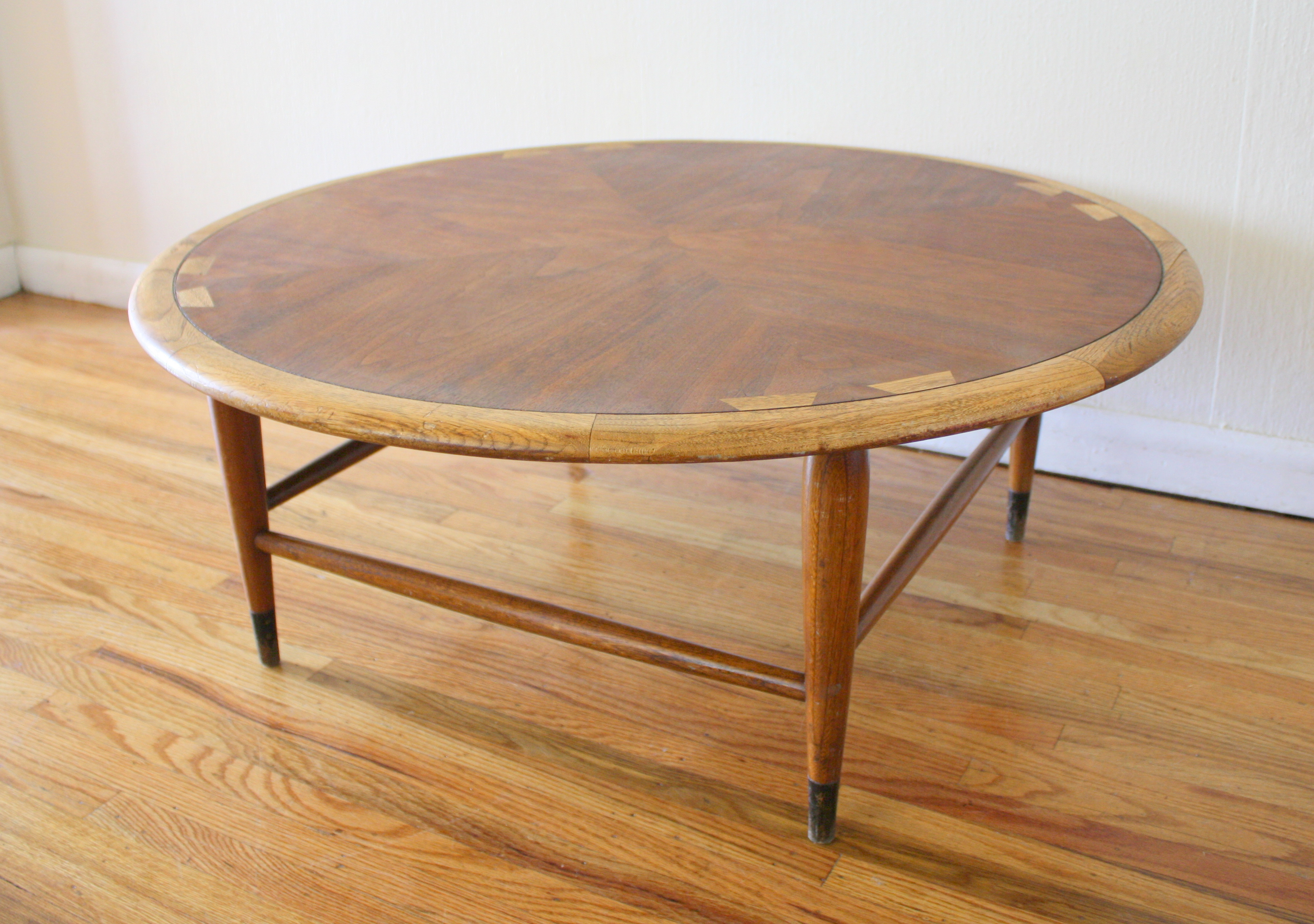 Mid century modern round lane acclaim coffee table for Mid century modern coffee table