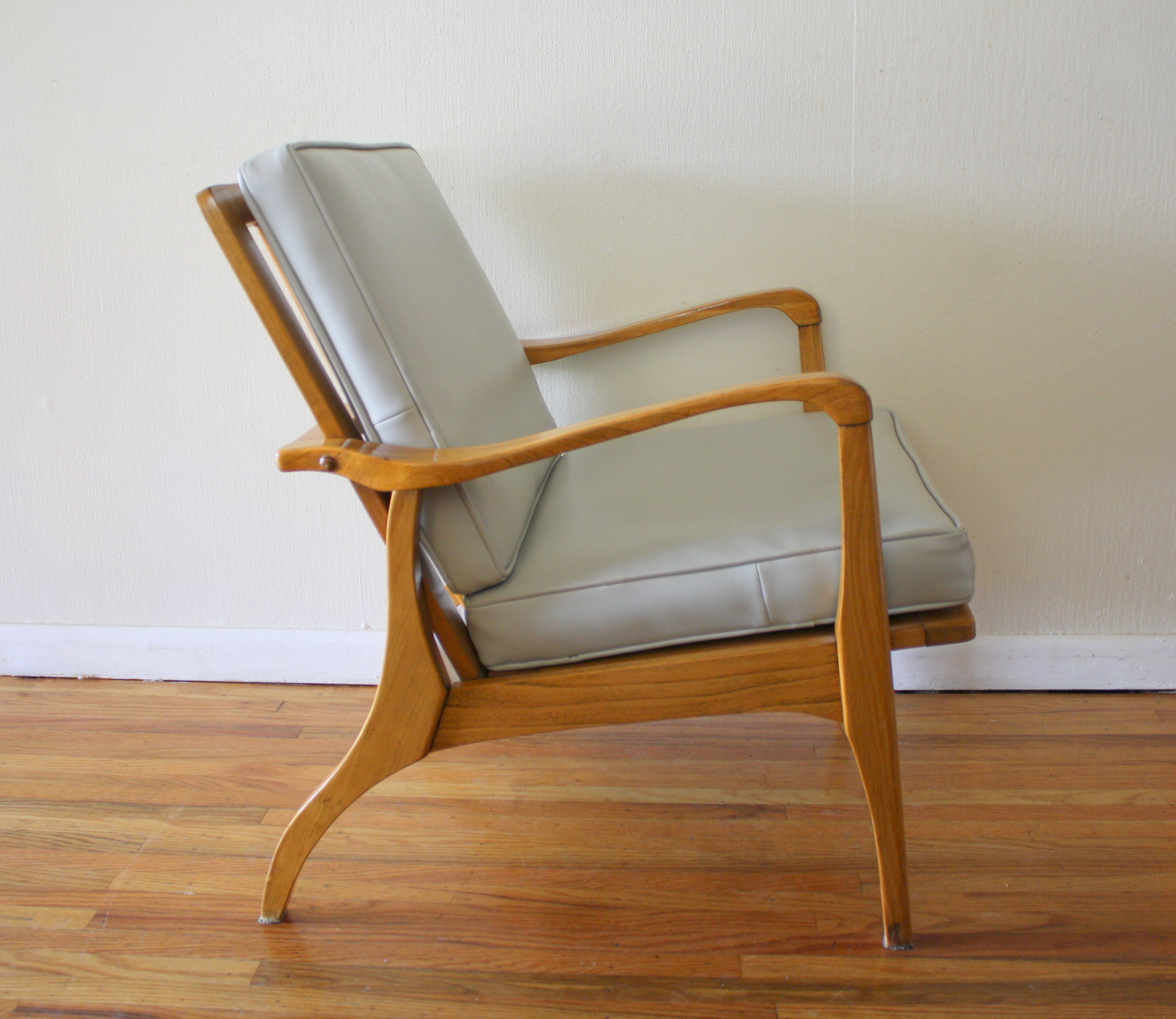 Mid century modern arm chairs picked vintage for Modern arm chair