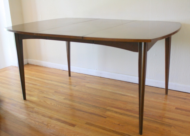 mcm dining table with ext leaf 1