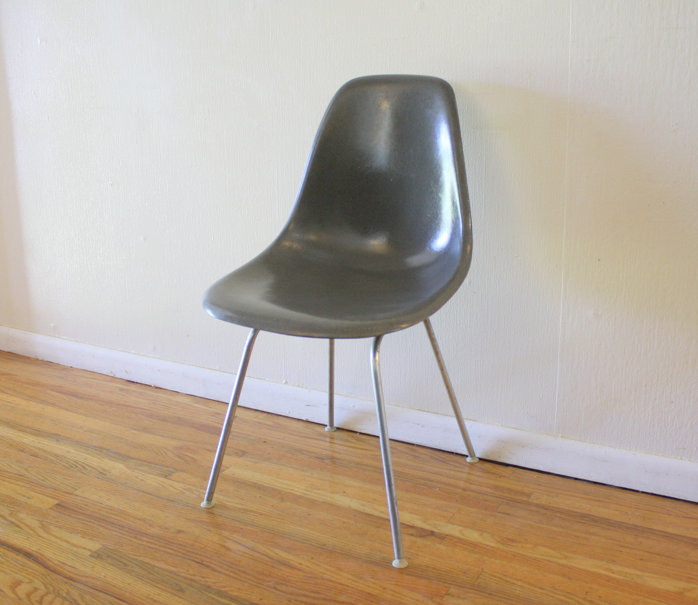 Exceptionnel Herman Miller Gray Chair 1
