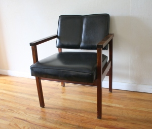 mcm arm chair black 1