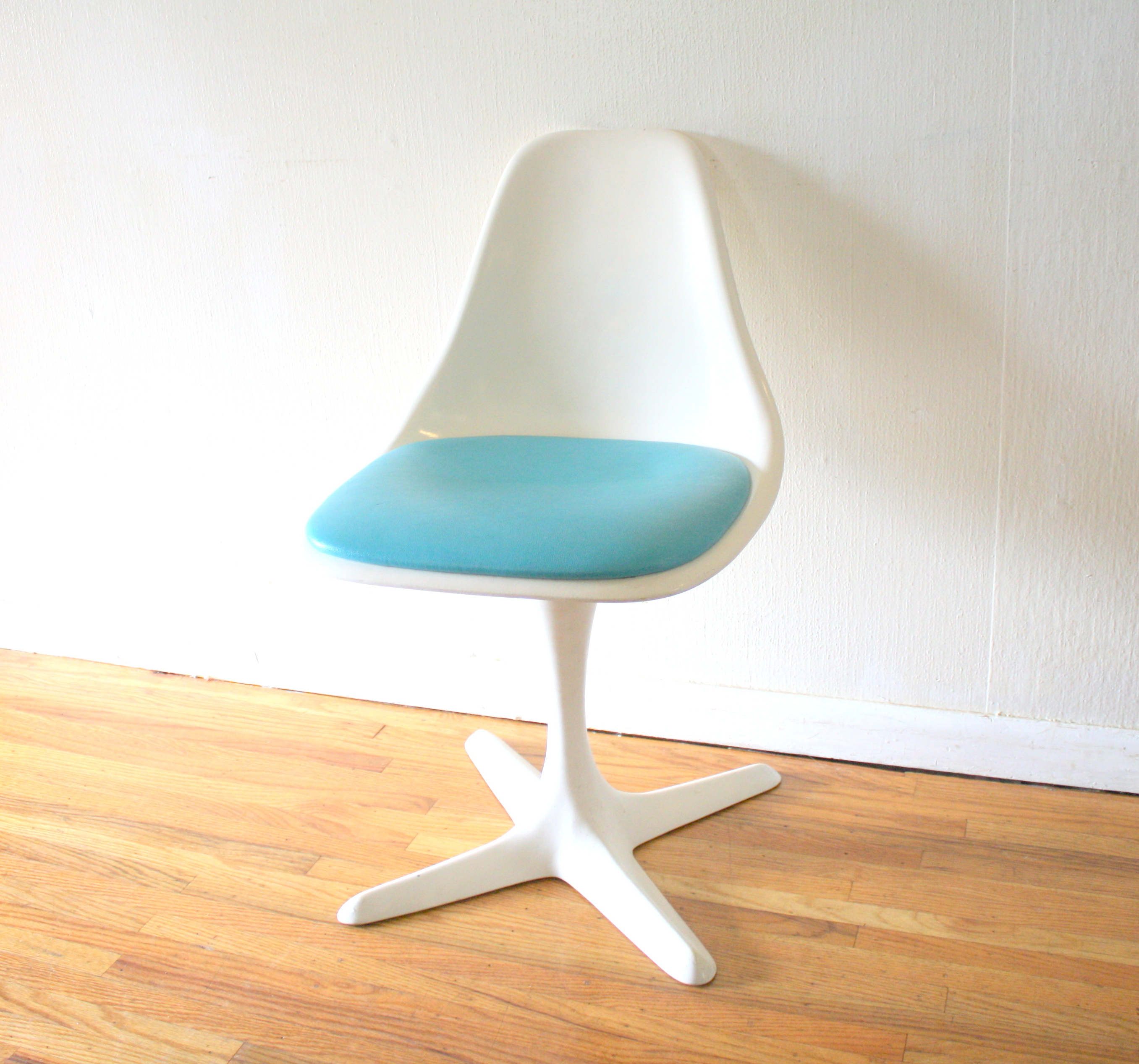 mcm shell chair blue cushion