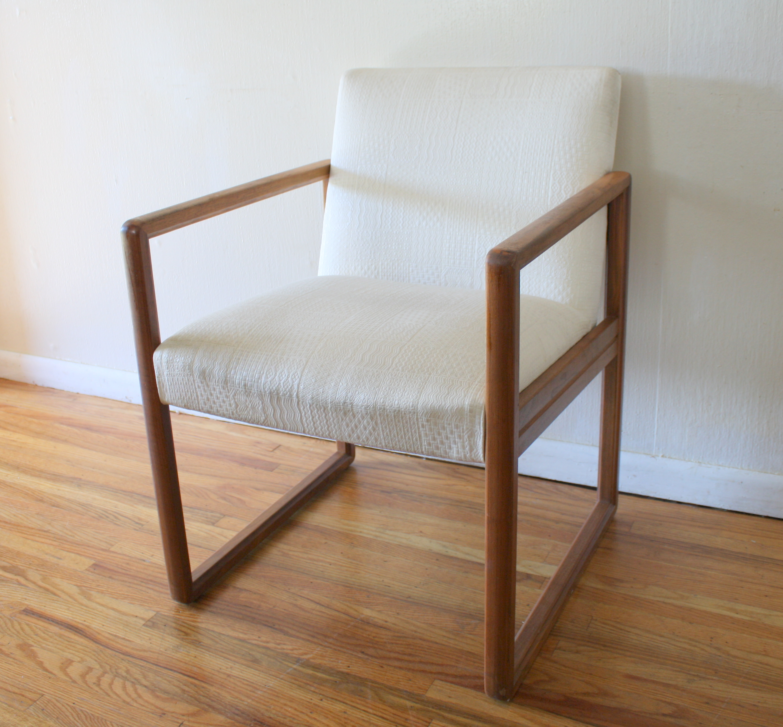 mcm whtie upholstered chair 1