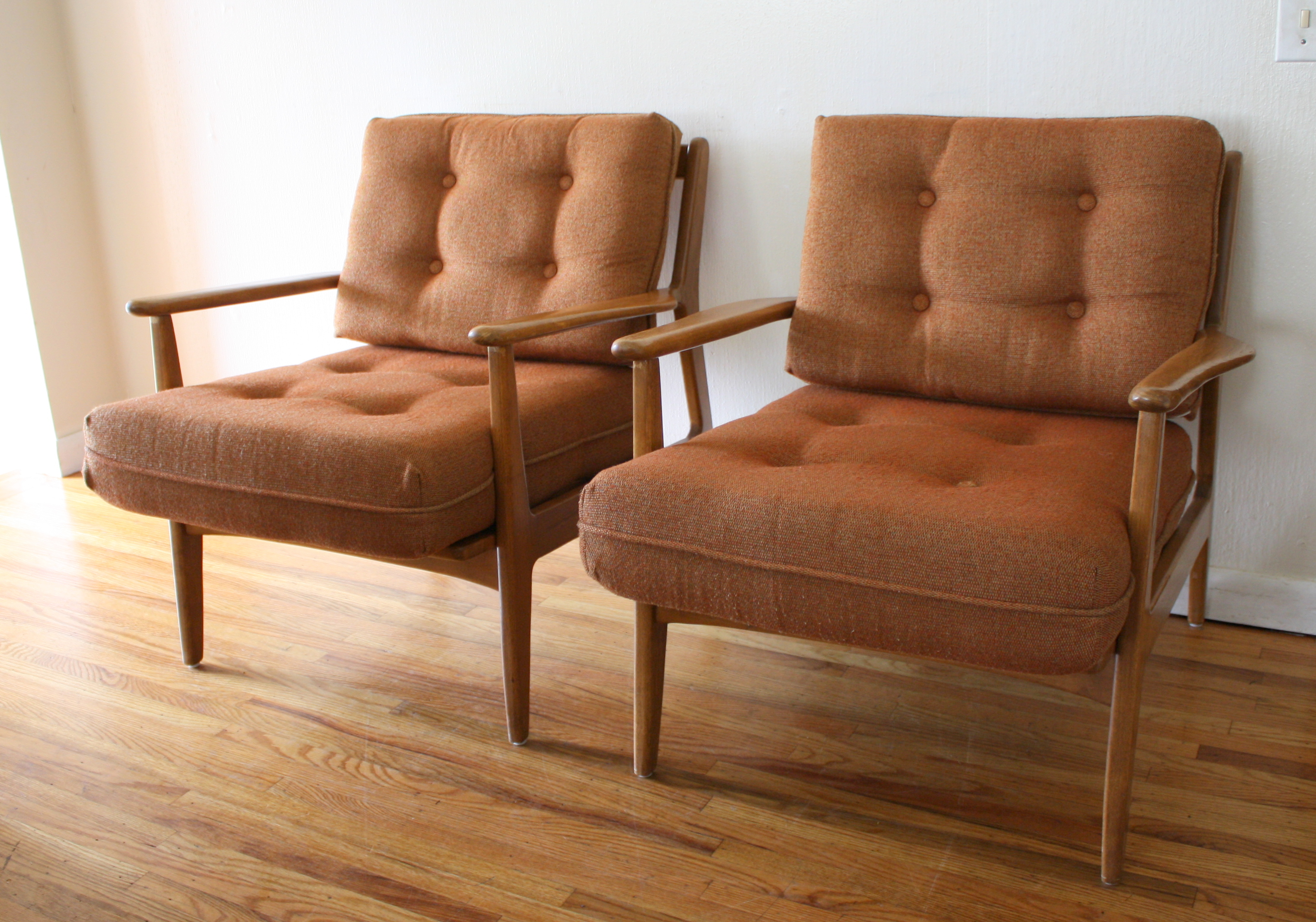 Baumritter picked vintage for Mid century modern seating