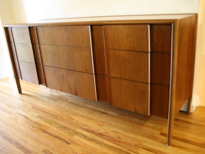 mcm Drexel 9 drawer dresser 2