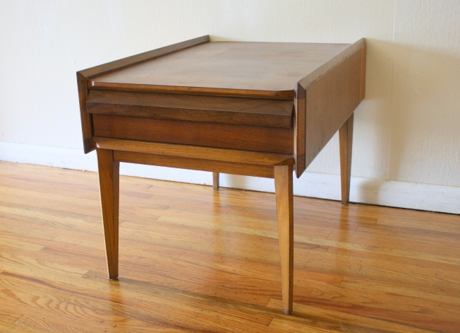 Lane side end table with angled deisign, 1 dovetailed drawer: $275