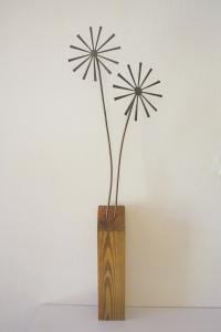 Brutalist flower sculpture 1