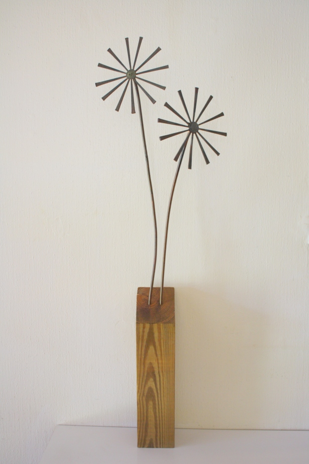 Brutalist flower sculpture 1