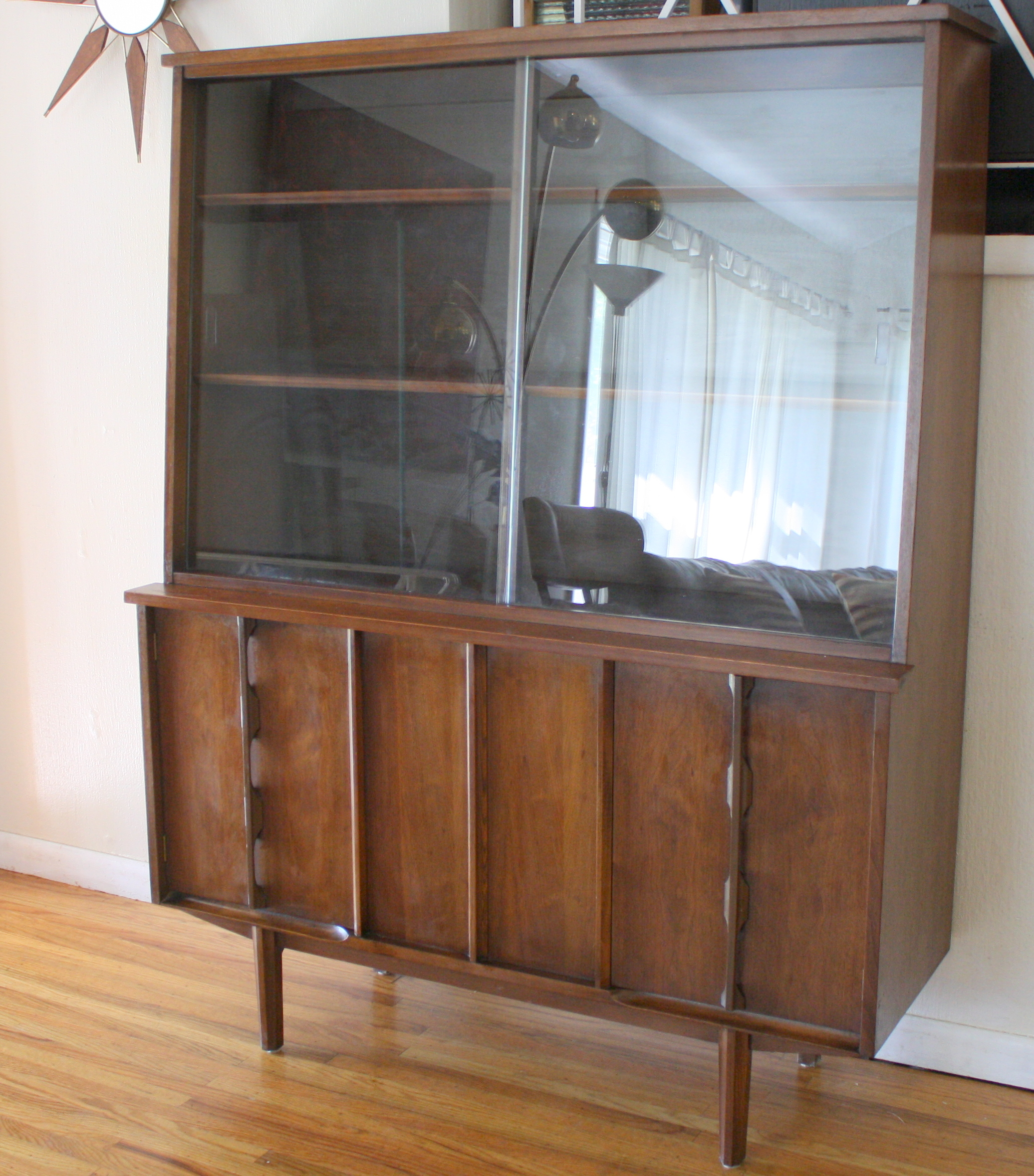 mcm china cabinet sculpted doors 4 & Mid Century Modern China Cabinet Hutches | Picked Vintage