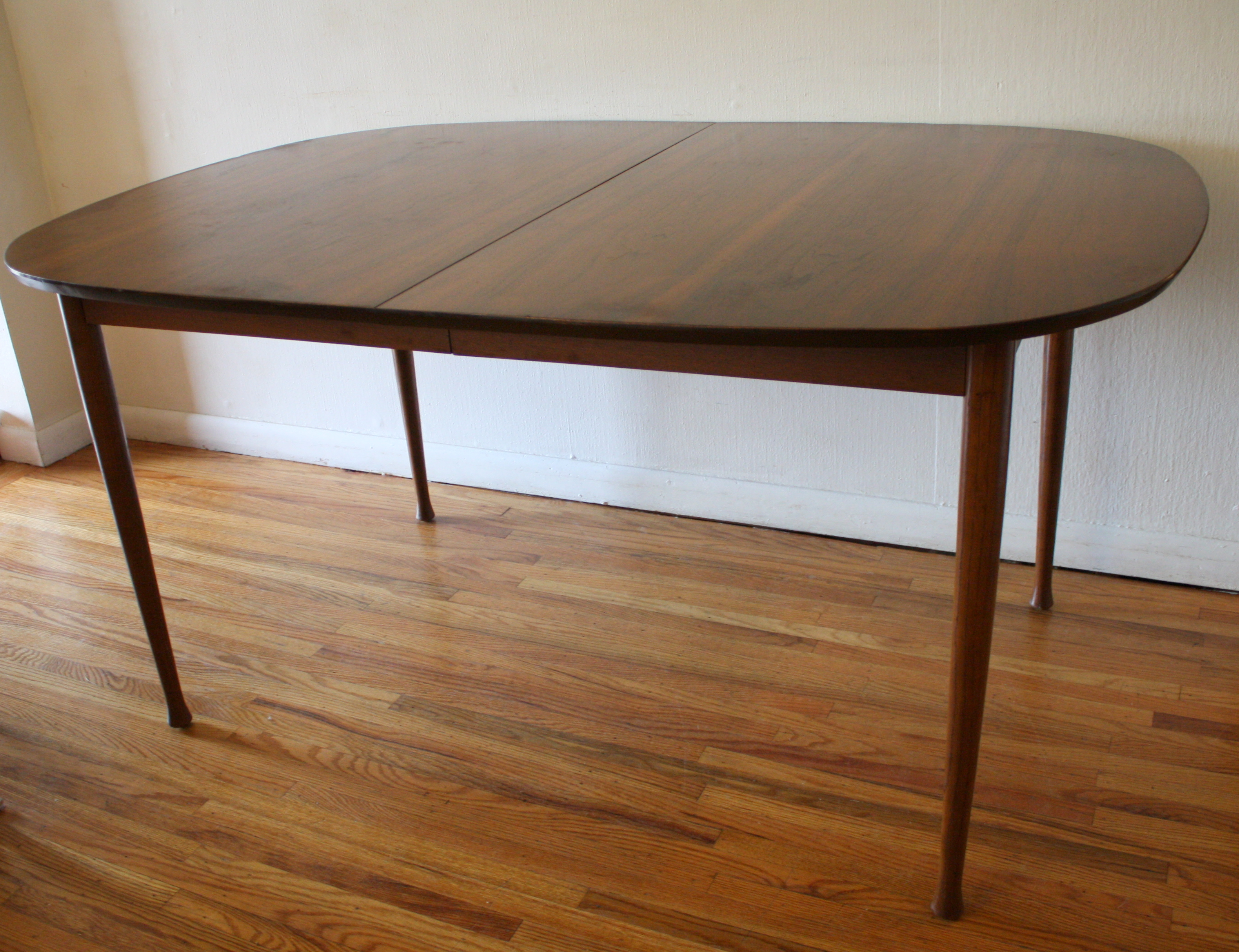 Mid century modern dining tables with hidden leaves for Mid century modern dining table