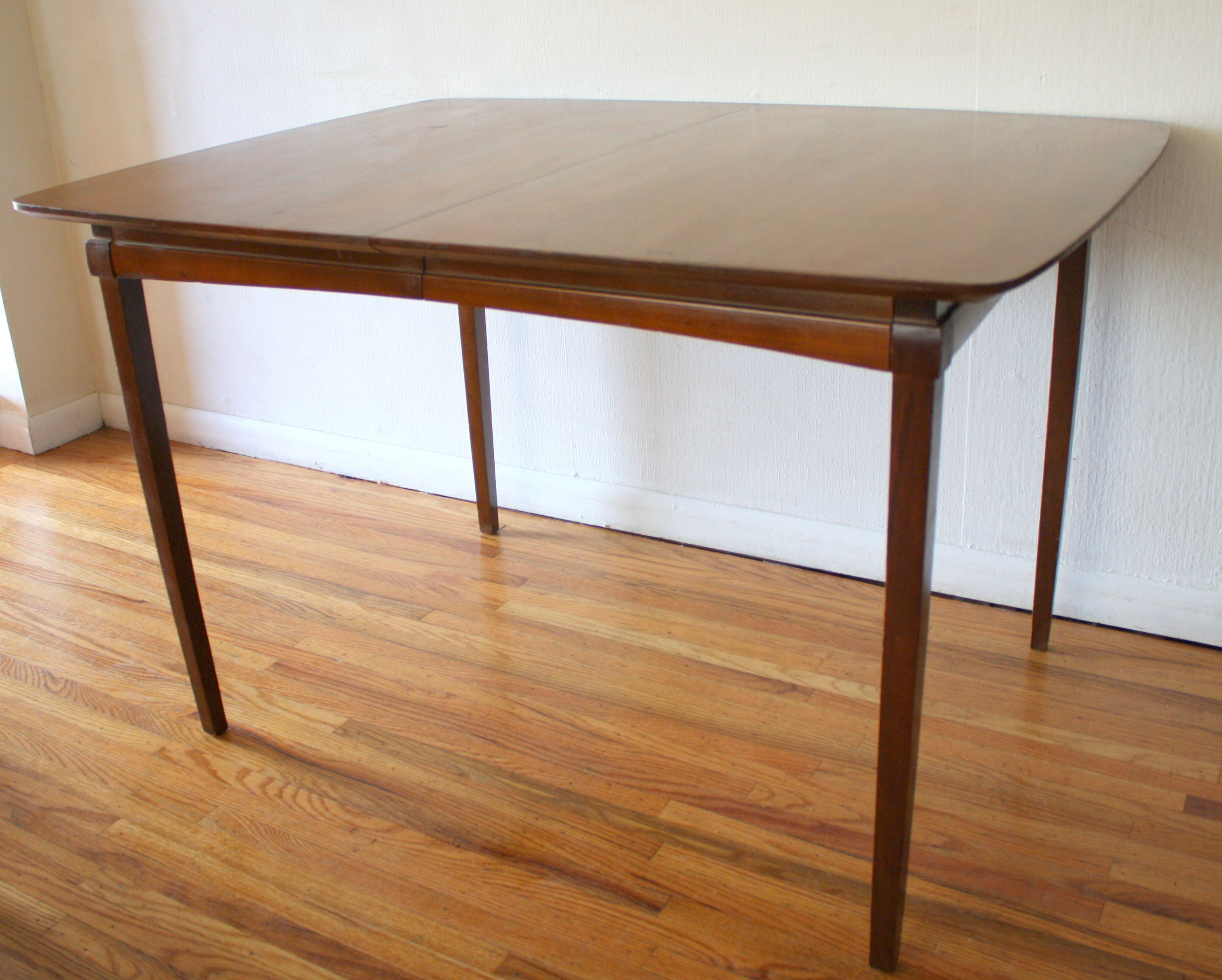 Mid Century Modern Dining Tables With Hidden Leaves