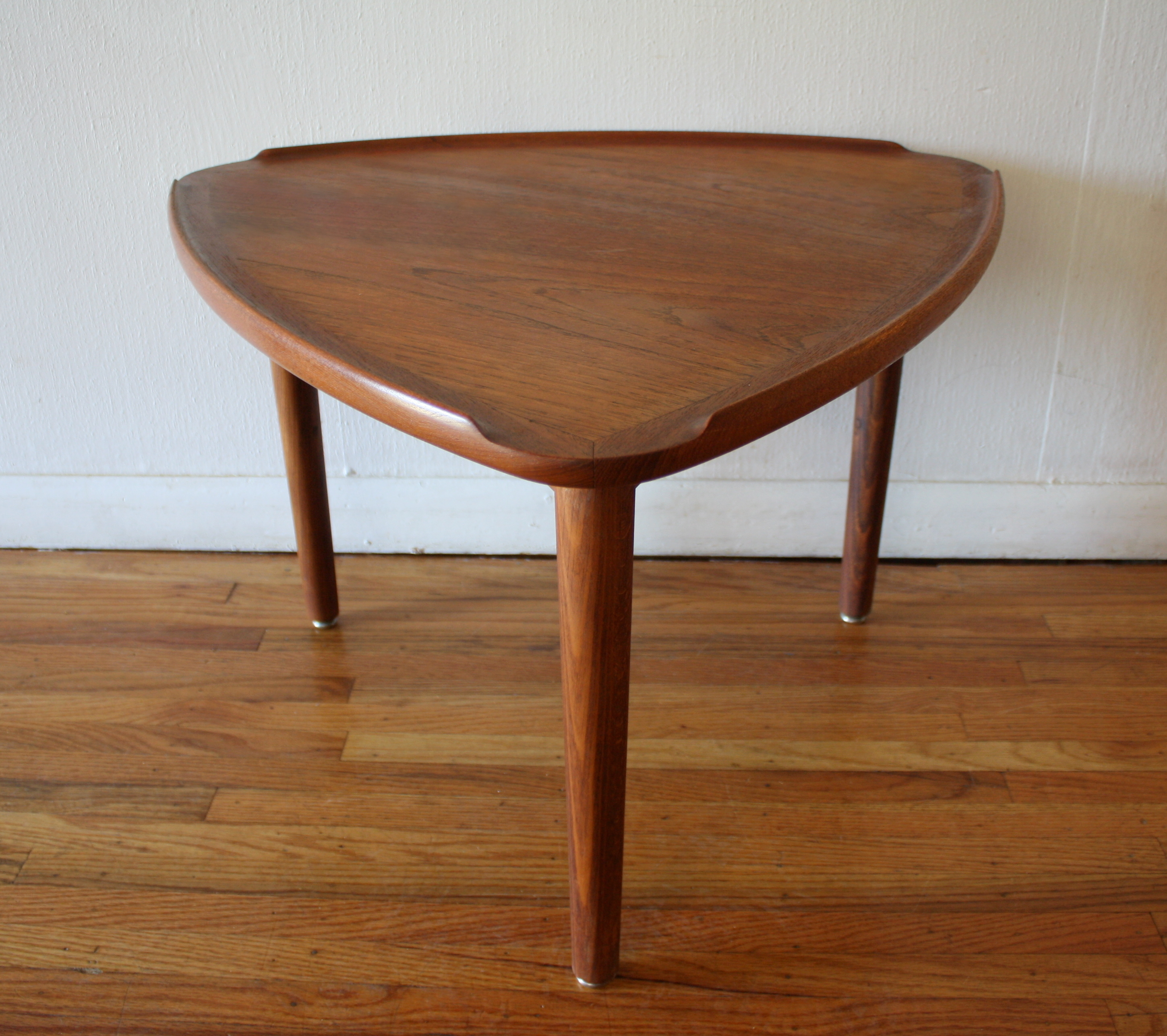 Danish Mid Century Modern Occasional Side Coffee Table Rosewood: Mid Century Modern Danish Teak Guitar Pick Side Table