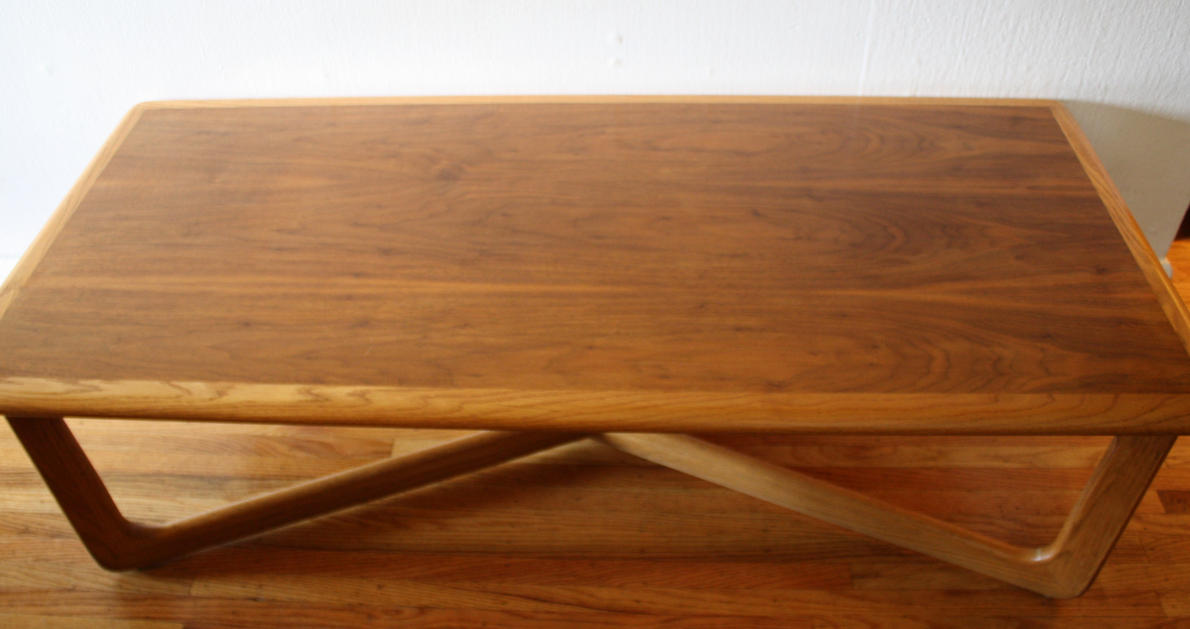 Mid Century Modern Cross Base Coffee Table By Lane