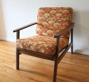 mcm arm chair geometric pattern cushions 1