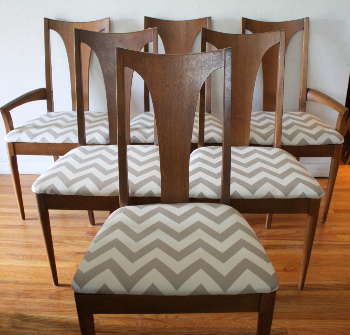 mid century modern dining chair set from the broyhill brasilia collection picked vintage. Black Bedroom Furniture Sets. Home Design Ideas