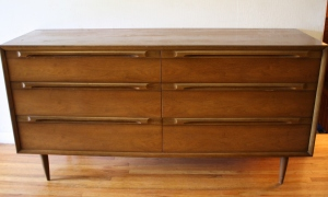 Huntley low dresser 1