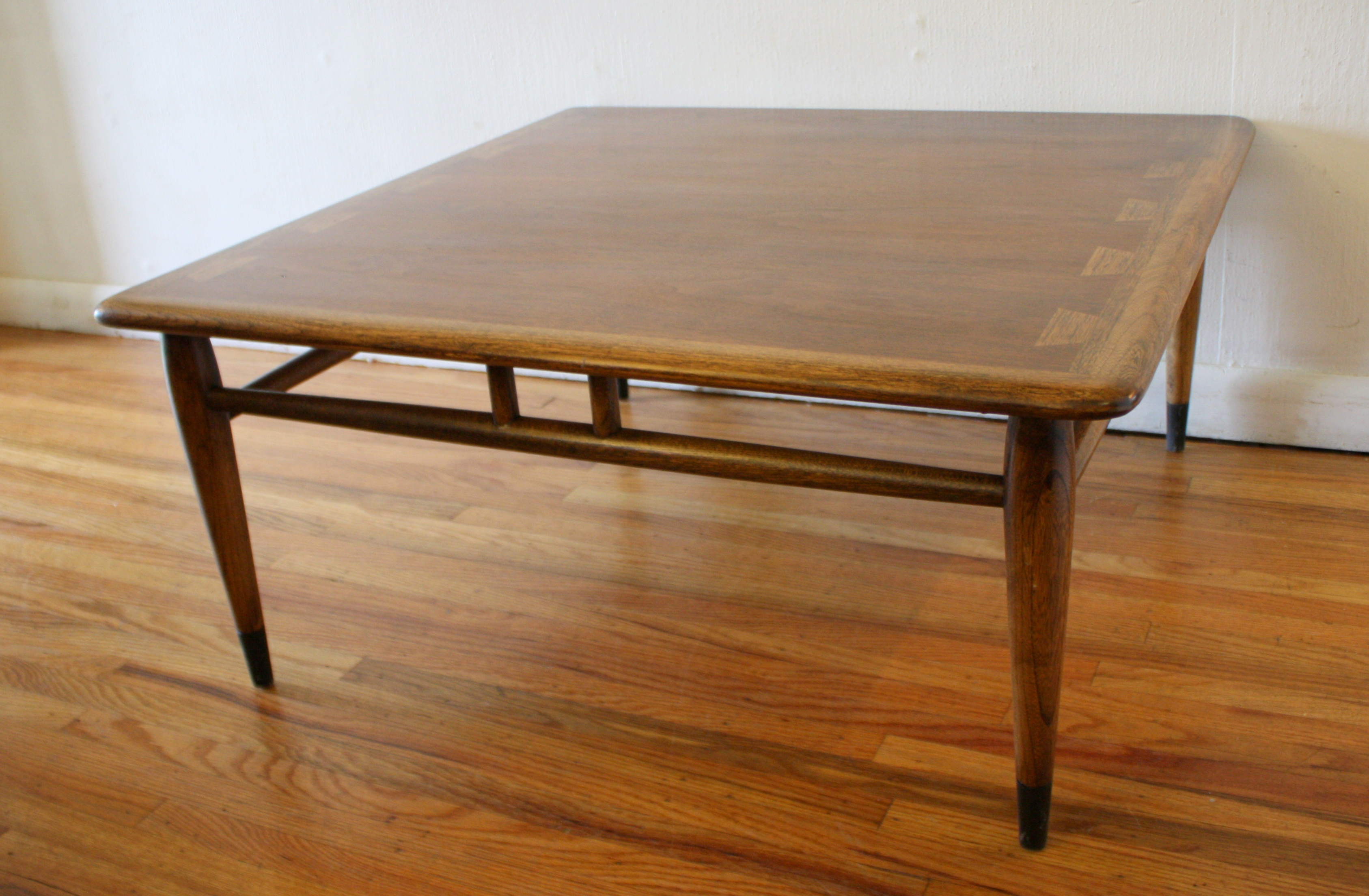 mid century modern coffee table from the lane acclaim collection picked vintage. Black Bedroom Furniture Sets. Home Design Ideas