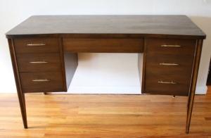Broyhill Saga desk 1