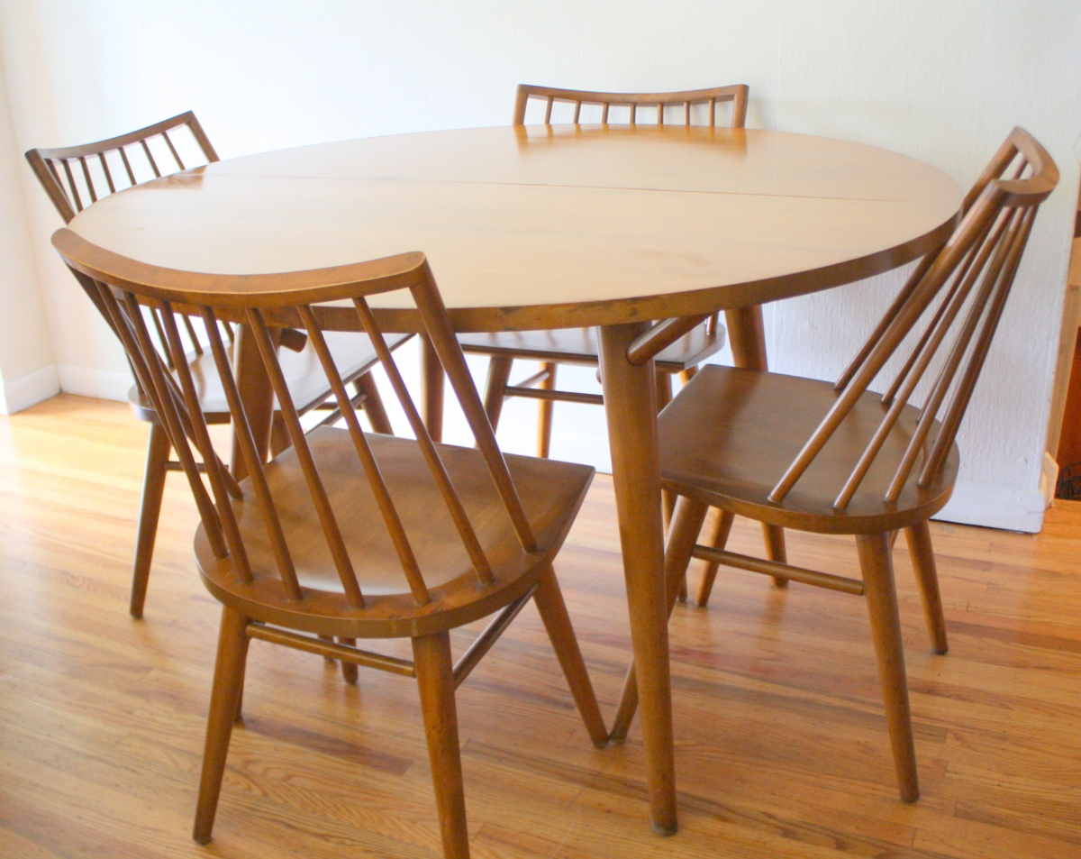 Mid century modern dining table and chairs by russel for Modern wood dining room furniture